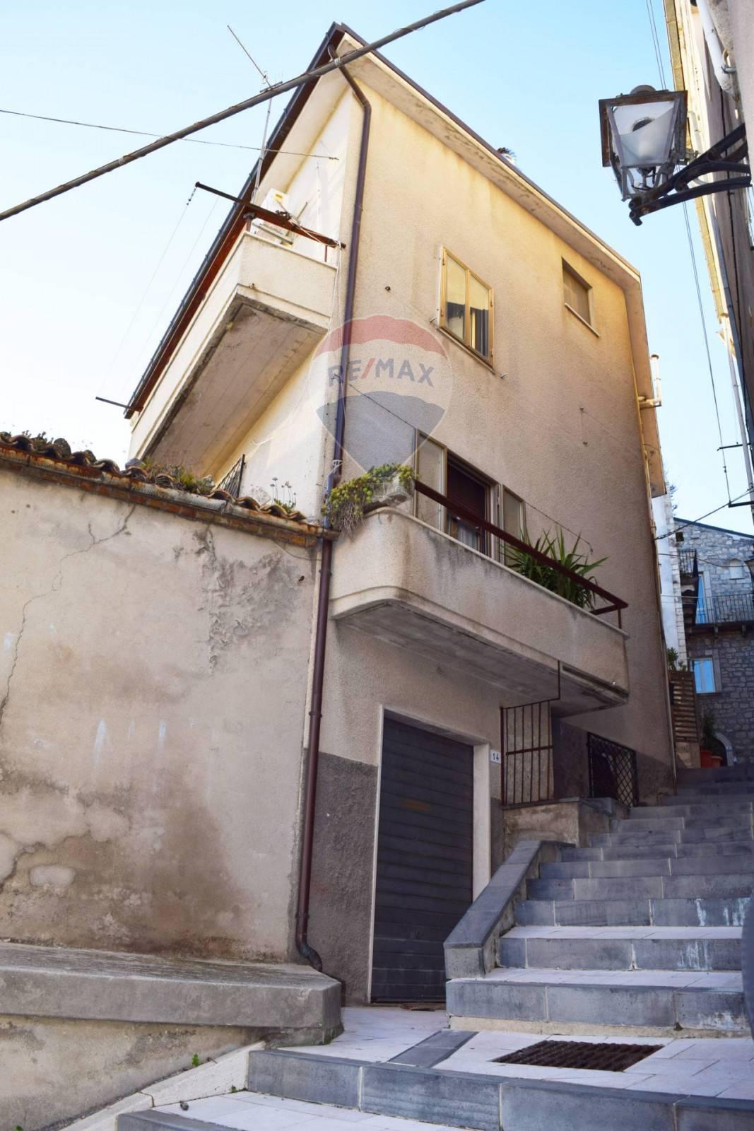 Soluzione Indipendente in vendita a Casalanguida, 7 locali, prezzo € 65.000   CambioCasa.it