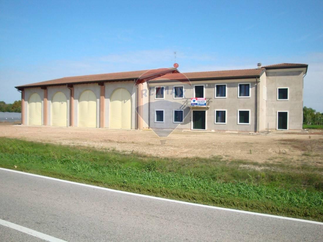 Rustico / Casale in vendita a Isola della Scala, 12 locali, prezzo € 900.000 | CambioCasa.it