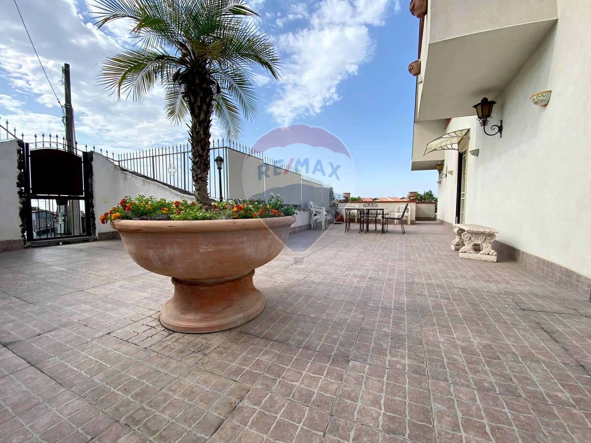 Villa a Schiera in vendita a San Pietro Clarenza, 7 locali, prezzo € 300.000 | CambioCasa.it