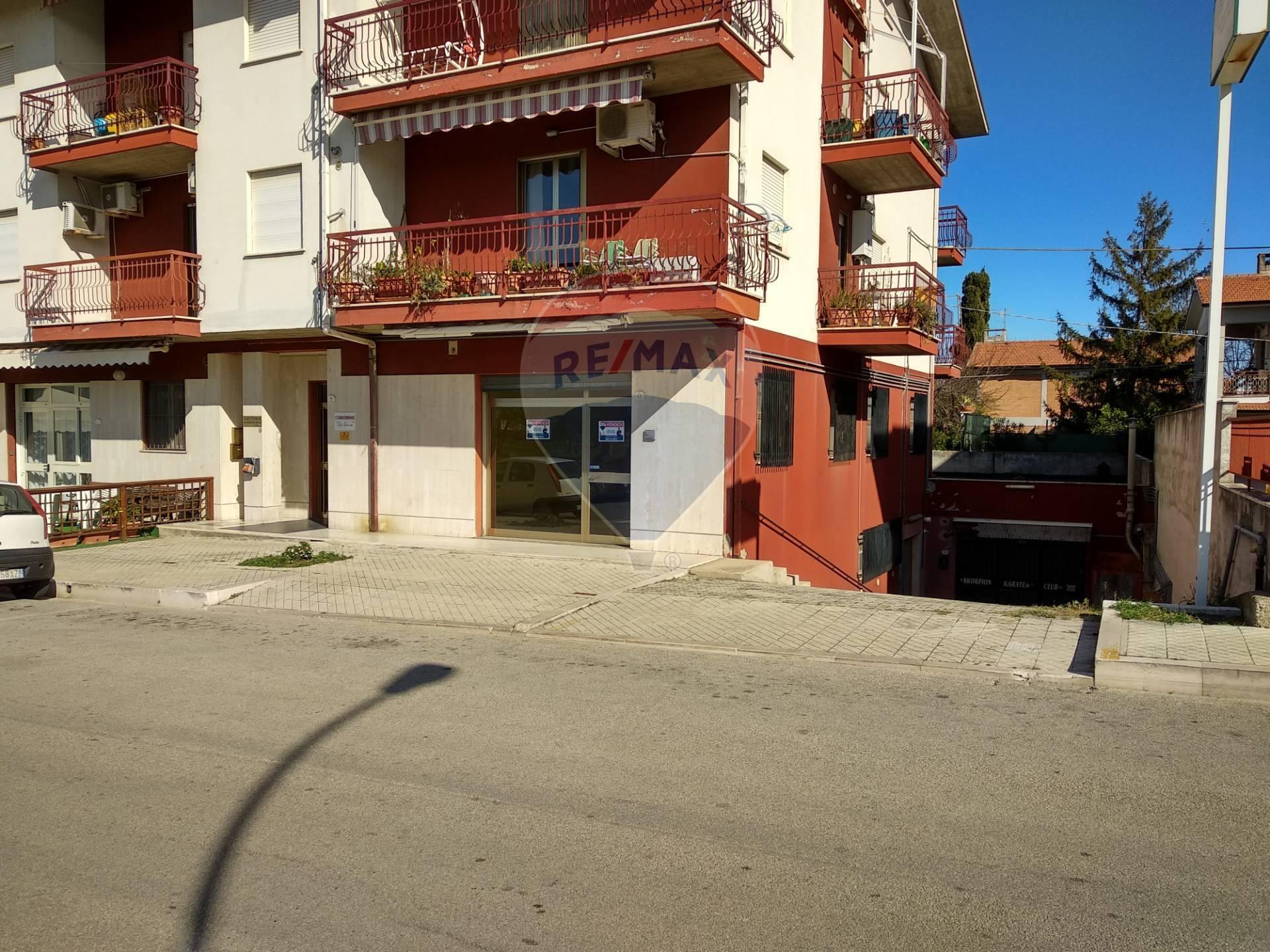 Negozio / Locale in vendita a Fossacesia, 9999 locali, prezzo € 98.000   CambioCasa.it