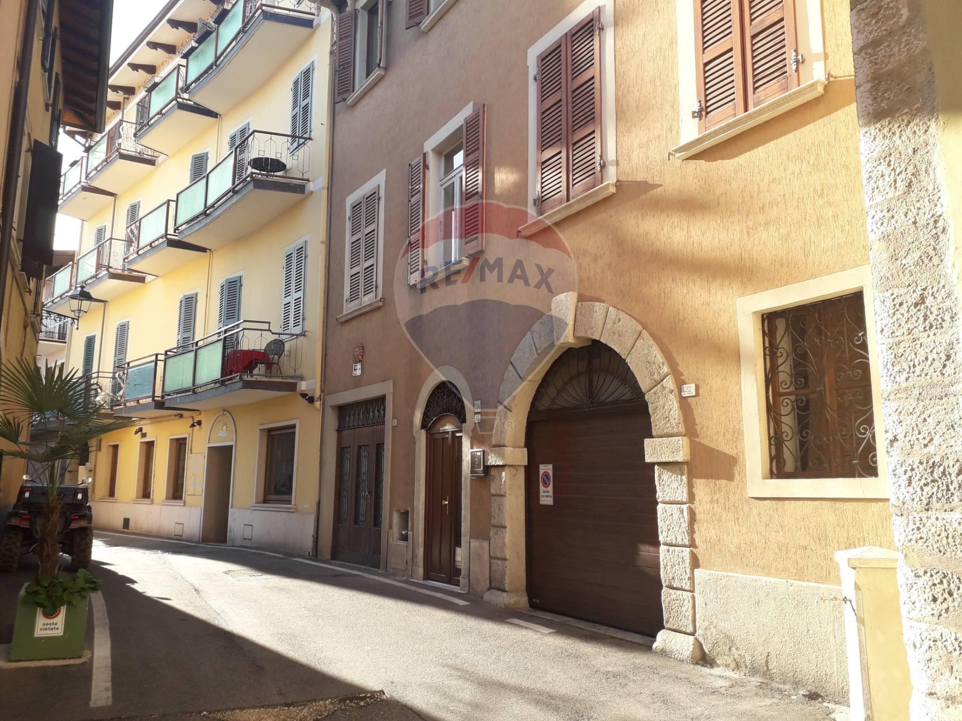 Appartamento in vendita a Toscolano-Maderno, 2 locali, zona Zona: Maderno, prezzo € 70.000 | CambioCasa.it