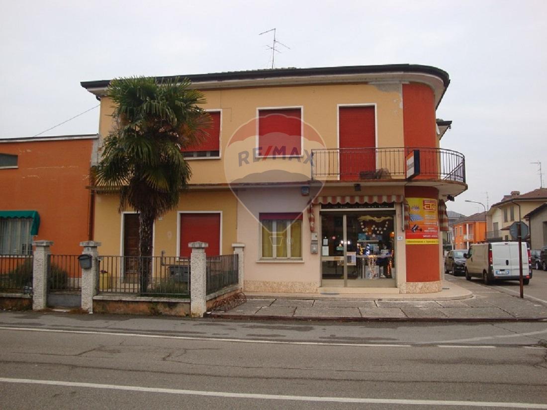 Palazzo / Stabile in vendita a Cerea, 9999 locali, prezzo € 290.000 | CambioCasa.it