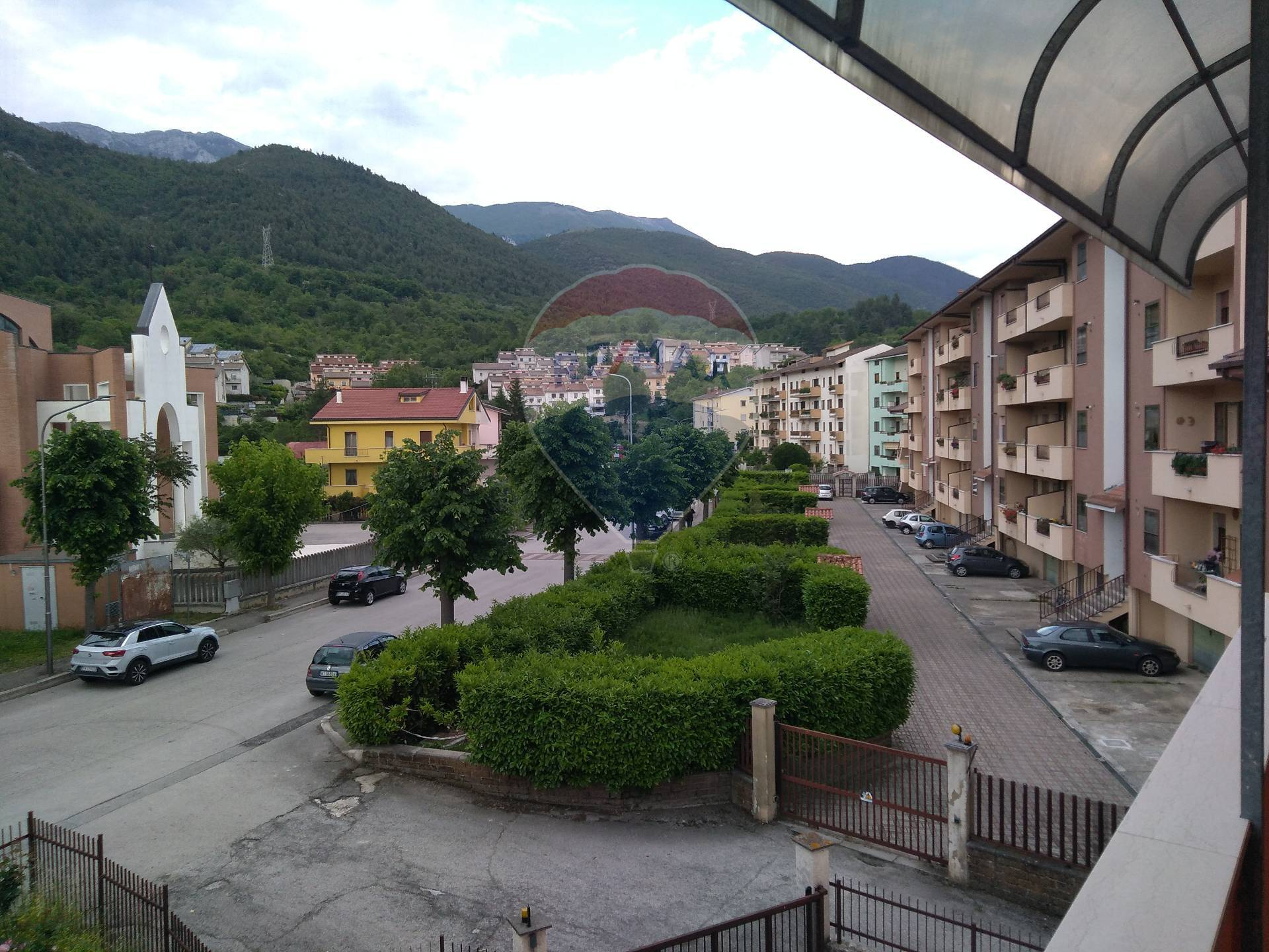 Appartamento in vendita a Popoli, 5 locali, prezzo € 70.000 | CambioCasa.it