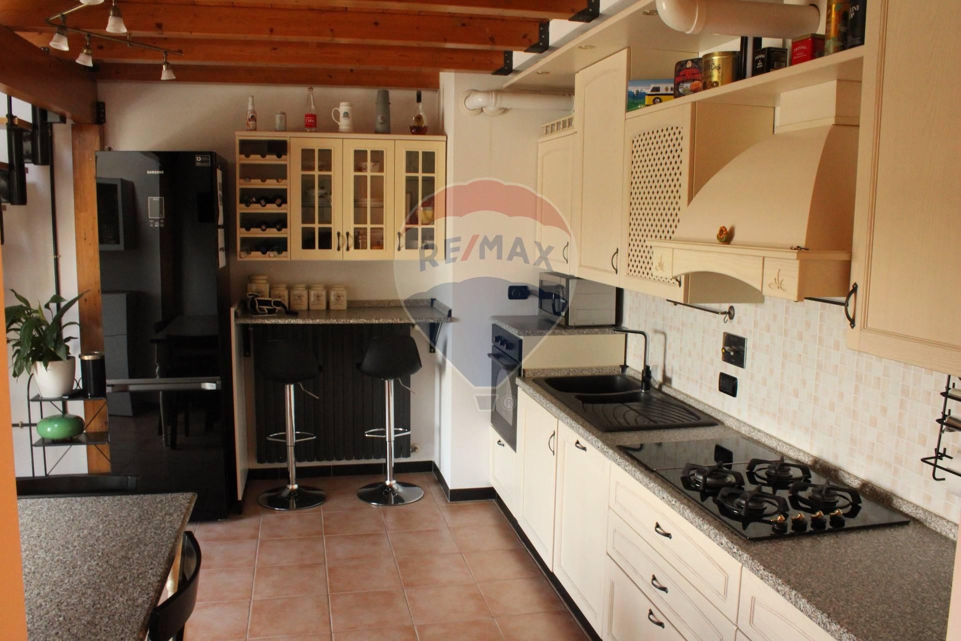 Appartamento in vendita a Sant'Ilario d'Enza, 2 locali, zona Zona: Calerno, prezzo € 95.000 | CambioCasa.it