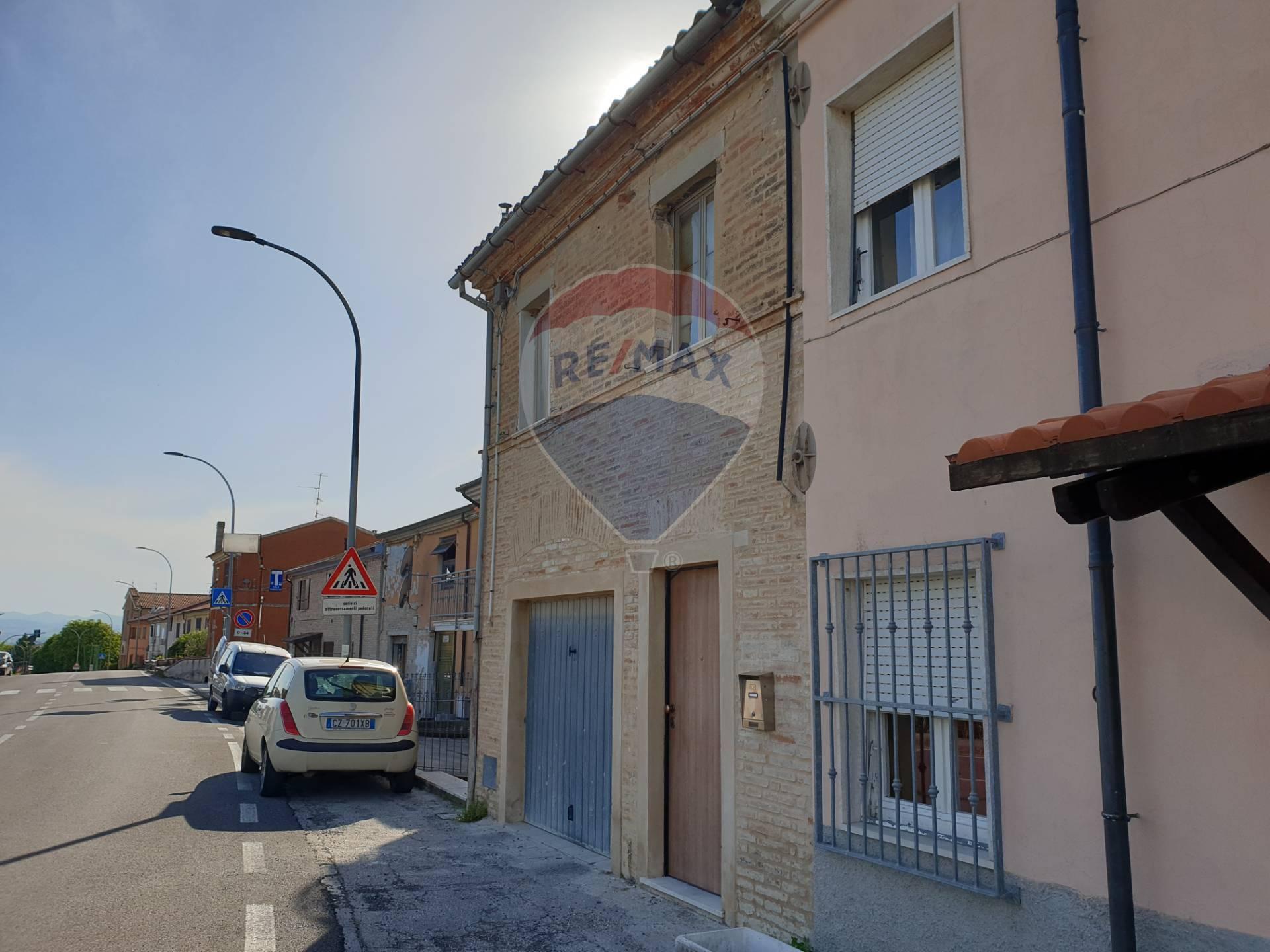 Soluzione Indipendente in vendita a Santa Maria Nuova, 4 locali, prezzo € 45.900 | CambioCasa.it