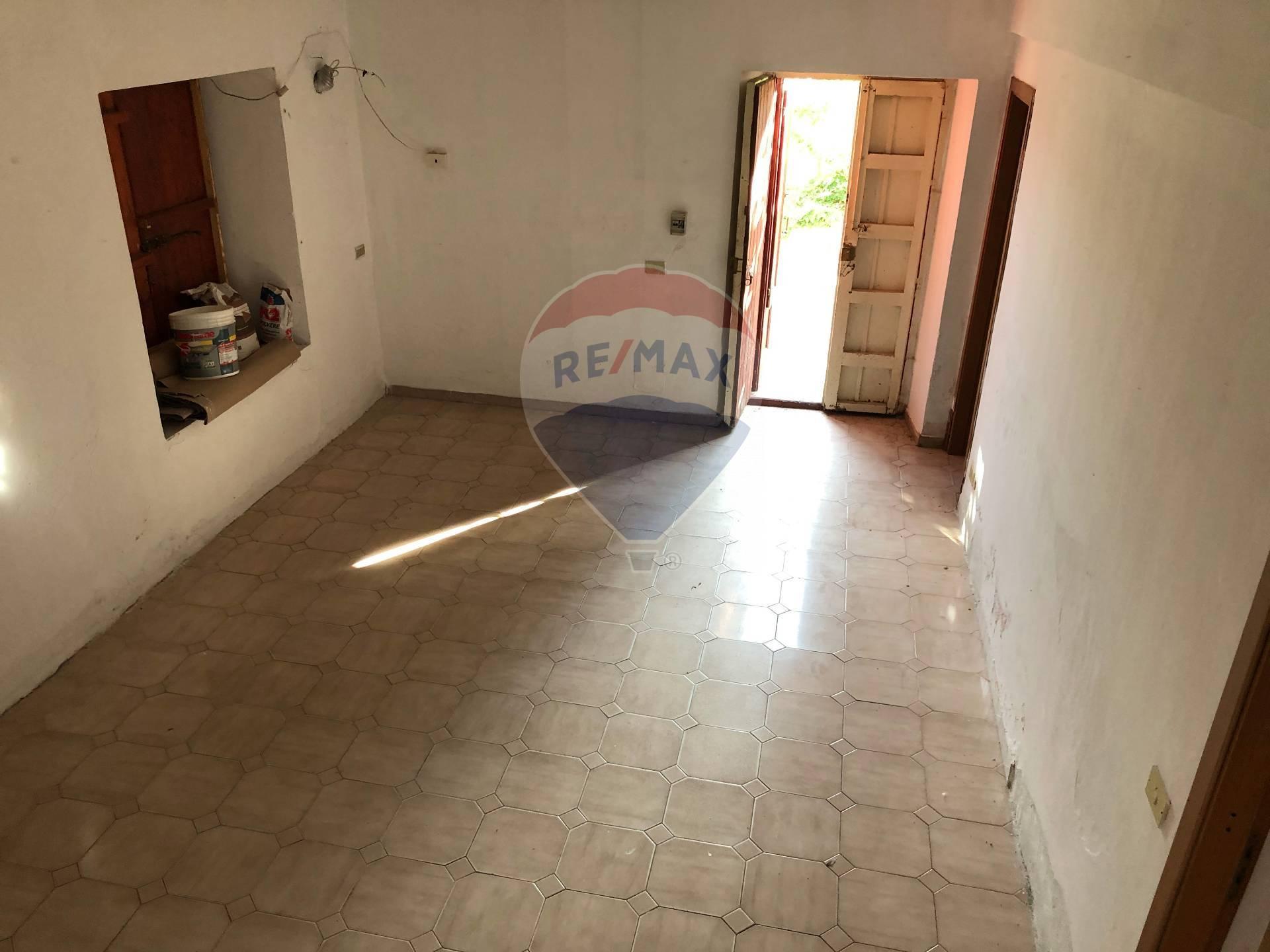 Soluzione Indipendente in vendita a Termini Imerese, 5 locali, prezzo € 75.000 | CambioCasa.it