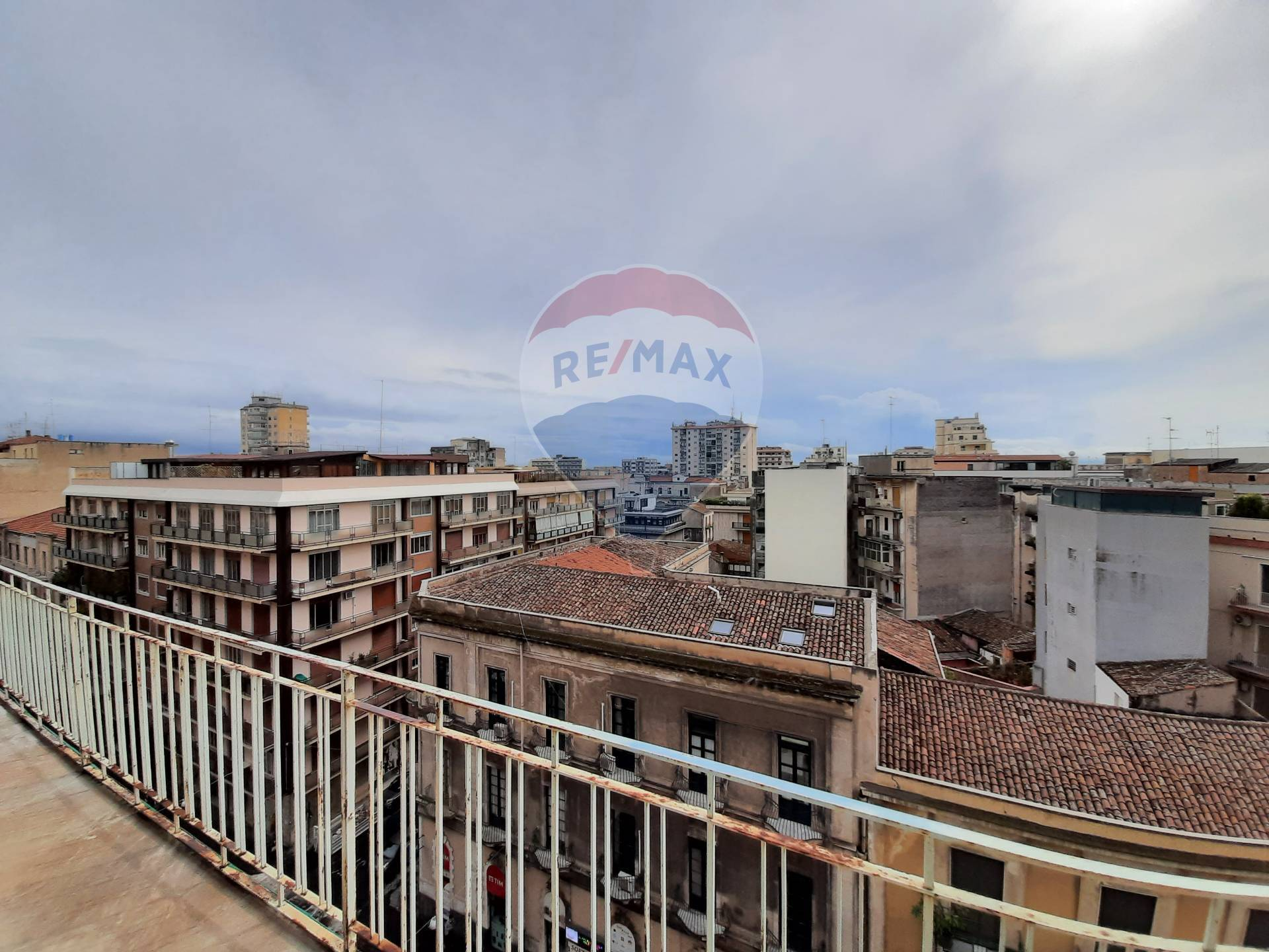 catania affitto quart: c.so italia - via leopardi re-max-city-home