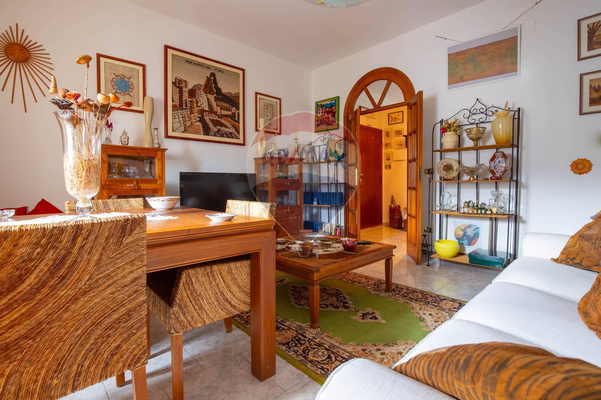 Appartamento, 135 Mq, Vendita - Bari (Bari)