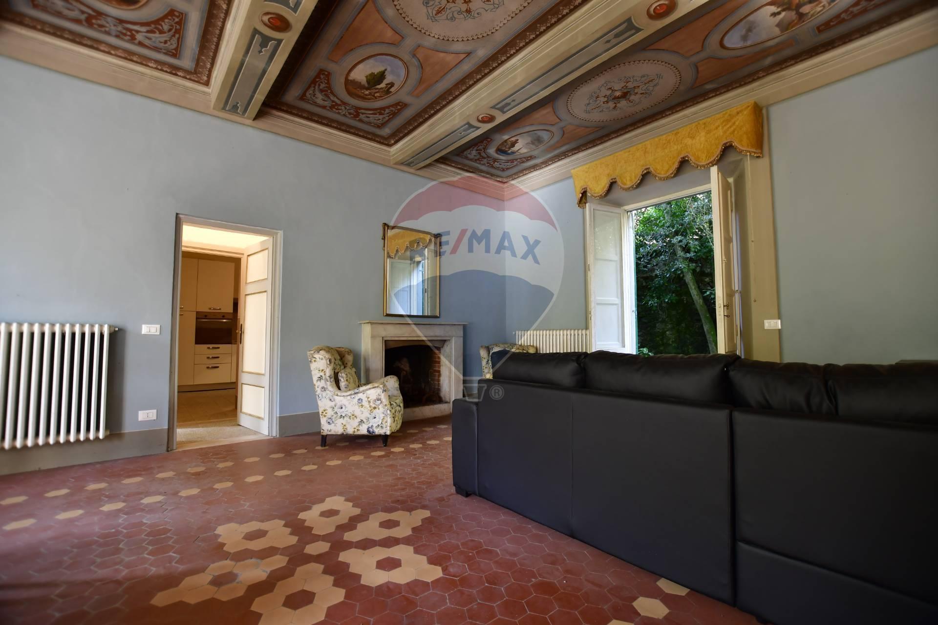 Appartamento in affitto a Bagni di Lucca, 4 locali, zona Località: PonteaSerraglio, prezzo € 450 | CambioCasa.it