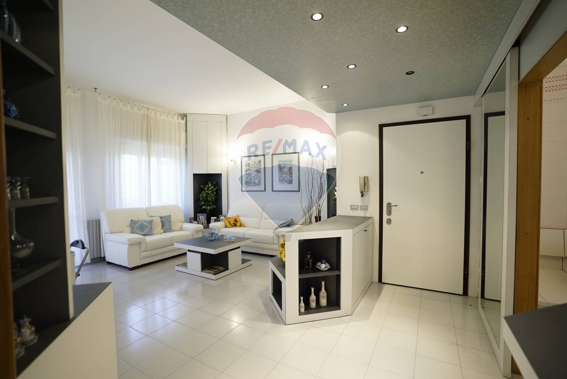 Appartamento in vendita a Rocca San Giovanni, 7 locali, prezzo € 120.000 | CambioCasa.it