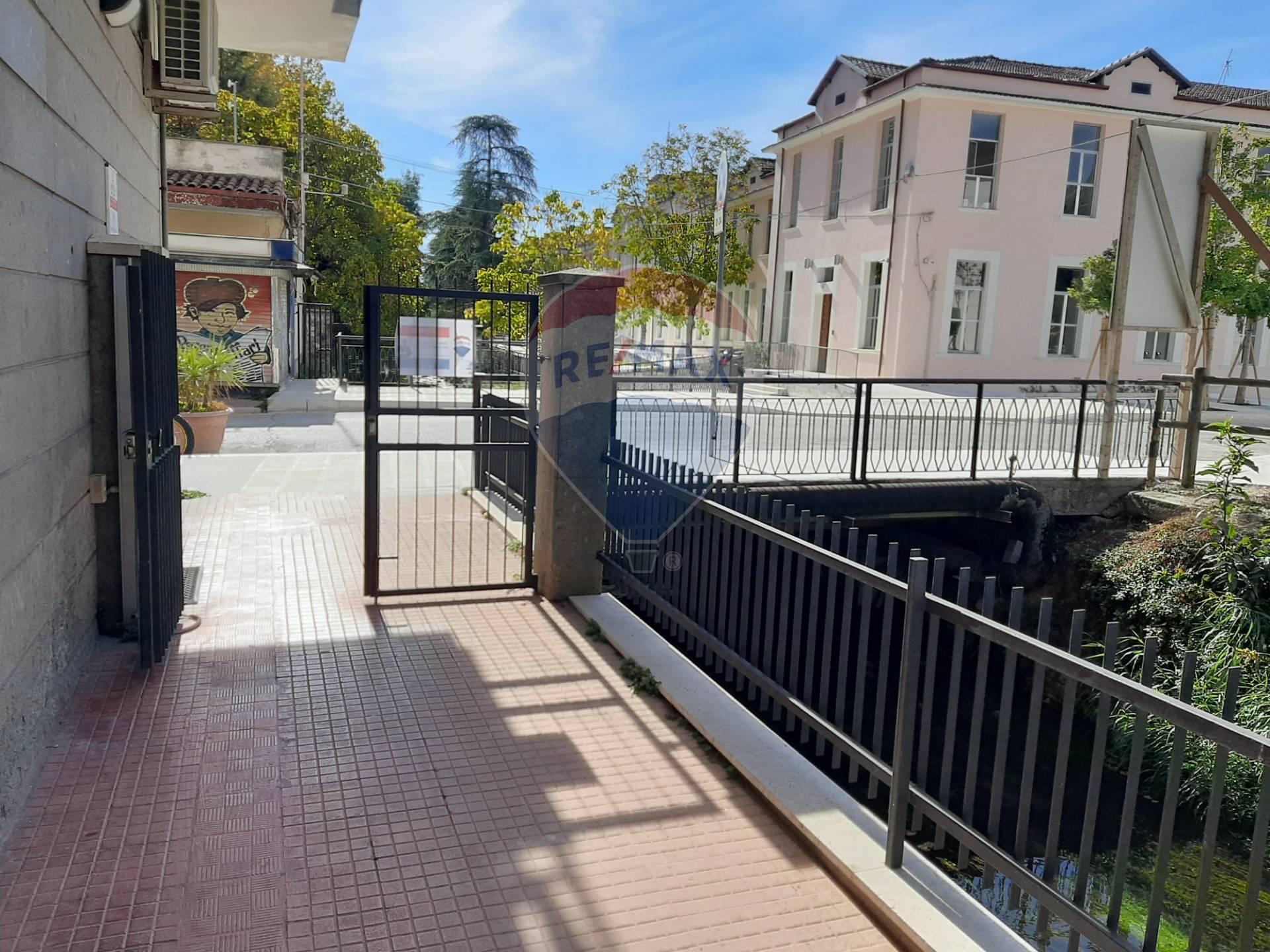 Appartamento in vendita a Popoli, 5 locali, prezzo € 80.000 | CambioCasa.it