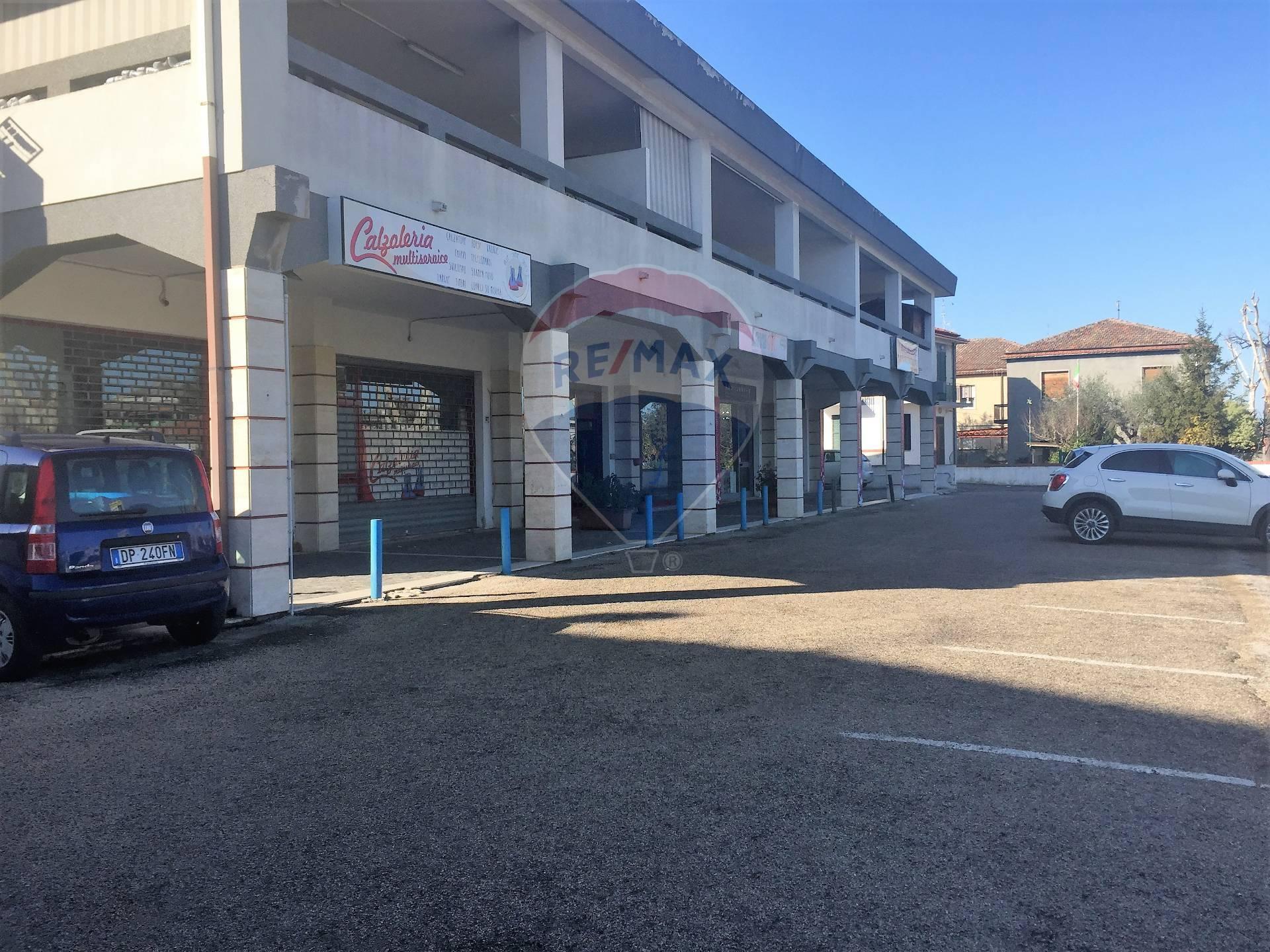 Negozio / Locale in Vendita a Francavilla al Mare