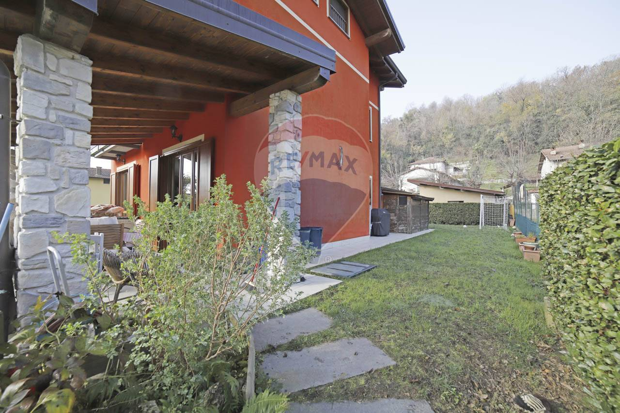 Vendita Villa unifamiliare Casa/Villa Leggiuno 249471