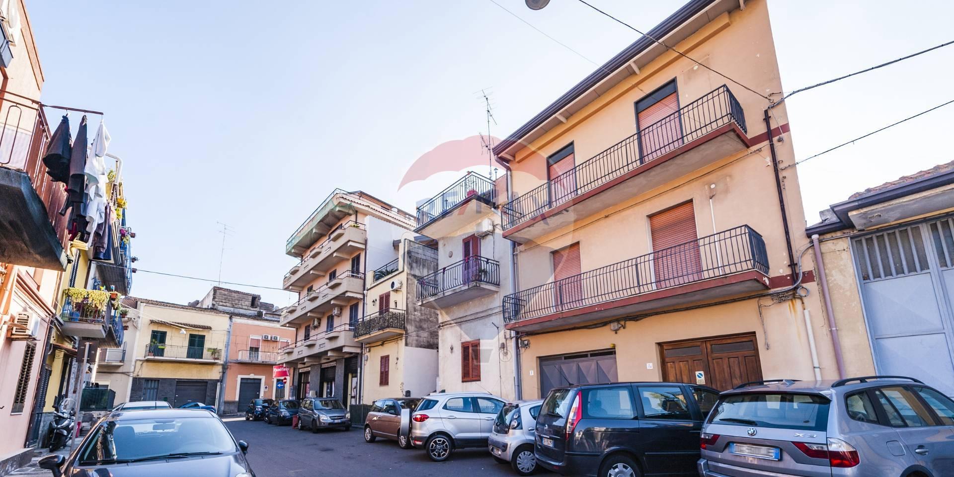 Box / Garage in vendita a Catania, 5 locali, zona Località: Ognina, prezzo € 80.000 | CambioCasa.it