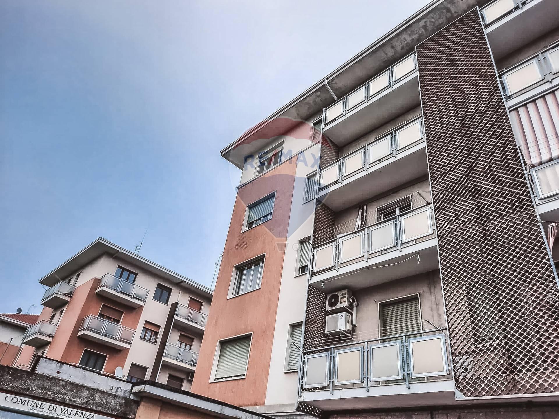 Appartamento in vendita a Valenza, 5 locali, prezzo € 29.000 | CambioCasa.it