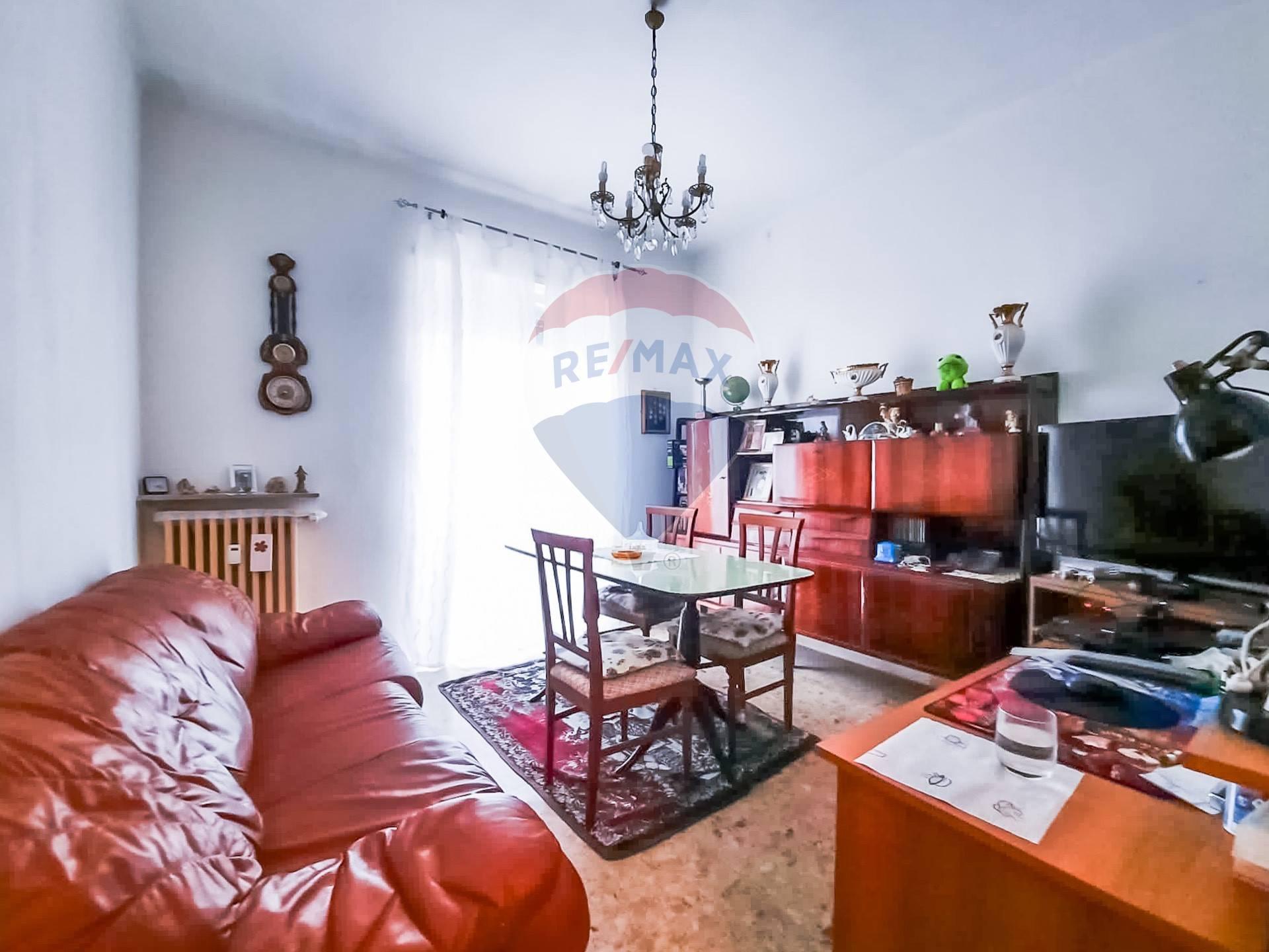 Appartamento in vendita a Valenza, 4 locali, prezzo € 29.000 | CambioCasa.it