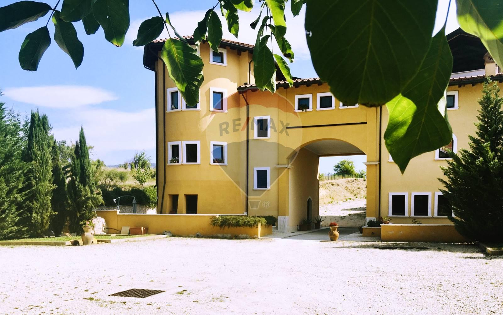 Appartamento in vendita a Scoppito, 3 locali, zona Località: MadonnadellaStrada, prezzo € 110.000   CambioCasa.it