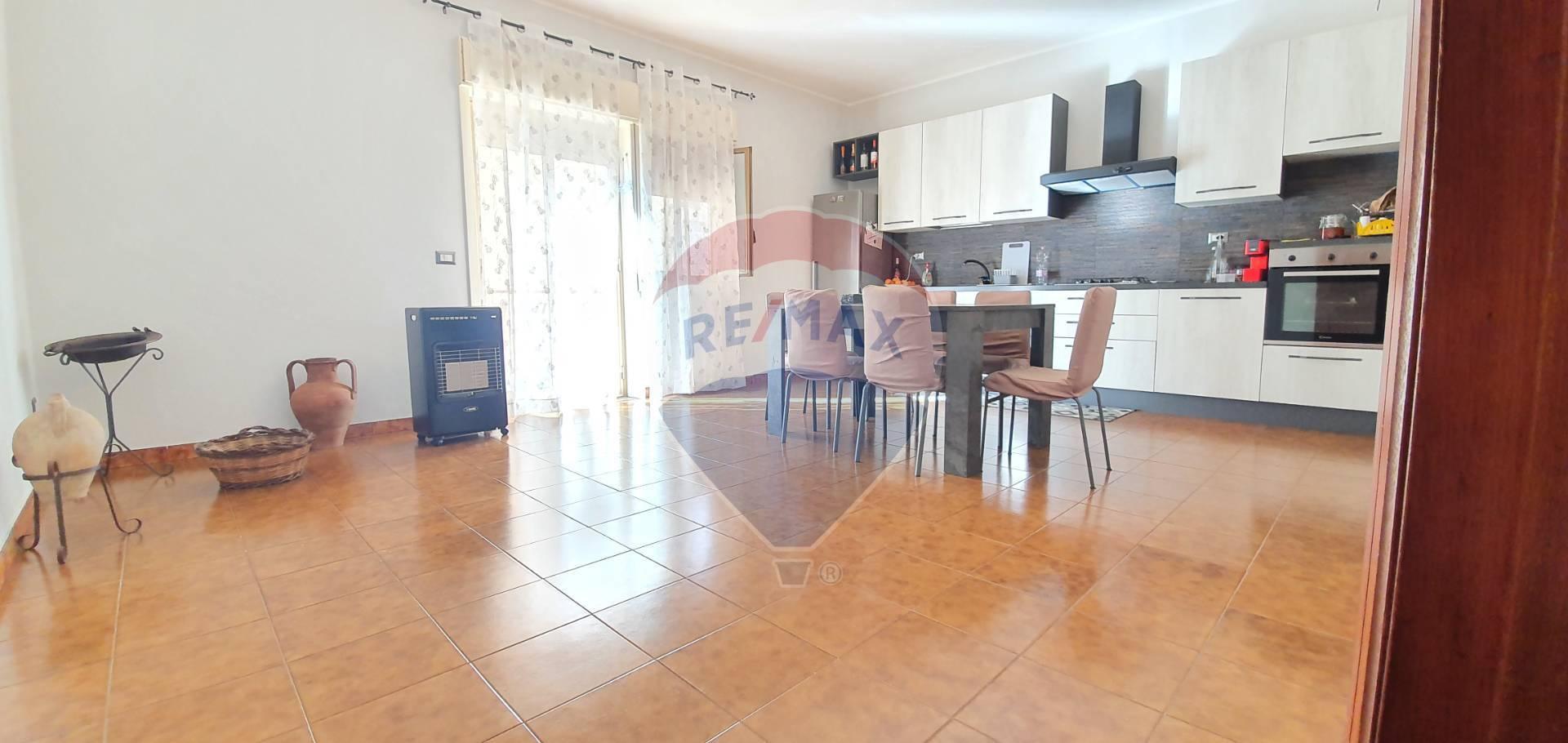 Appartamento in vendita a Gaggi, 4 locali, prezzo € 75.000 | CambioCasa.it