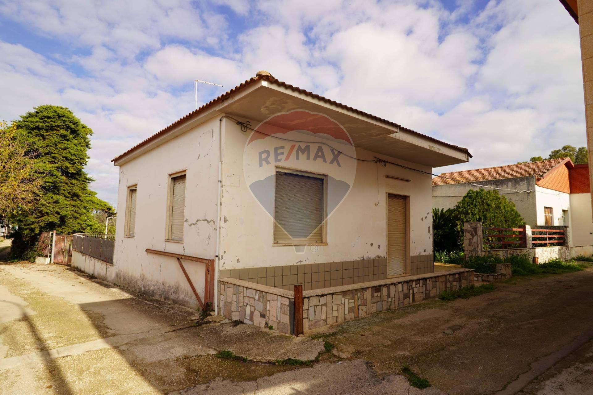 Villa in vendita a Vittoria, 6 locali, prezzo € 60.000 | CambioCasa.it