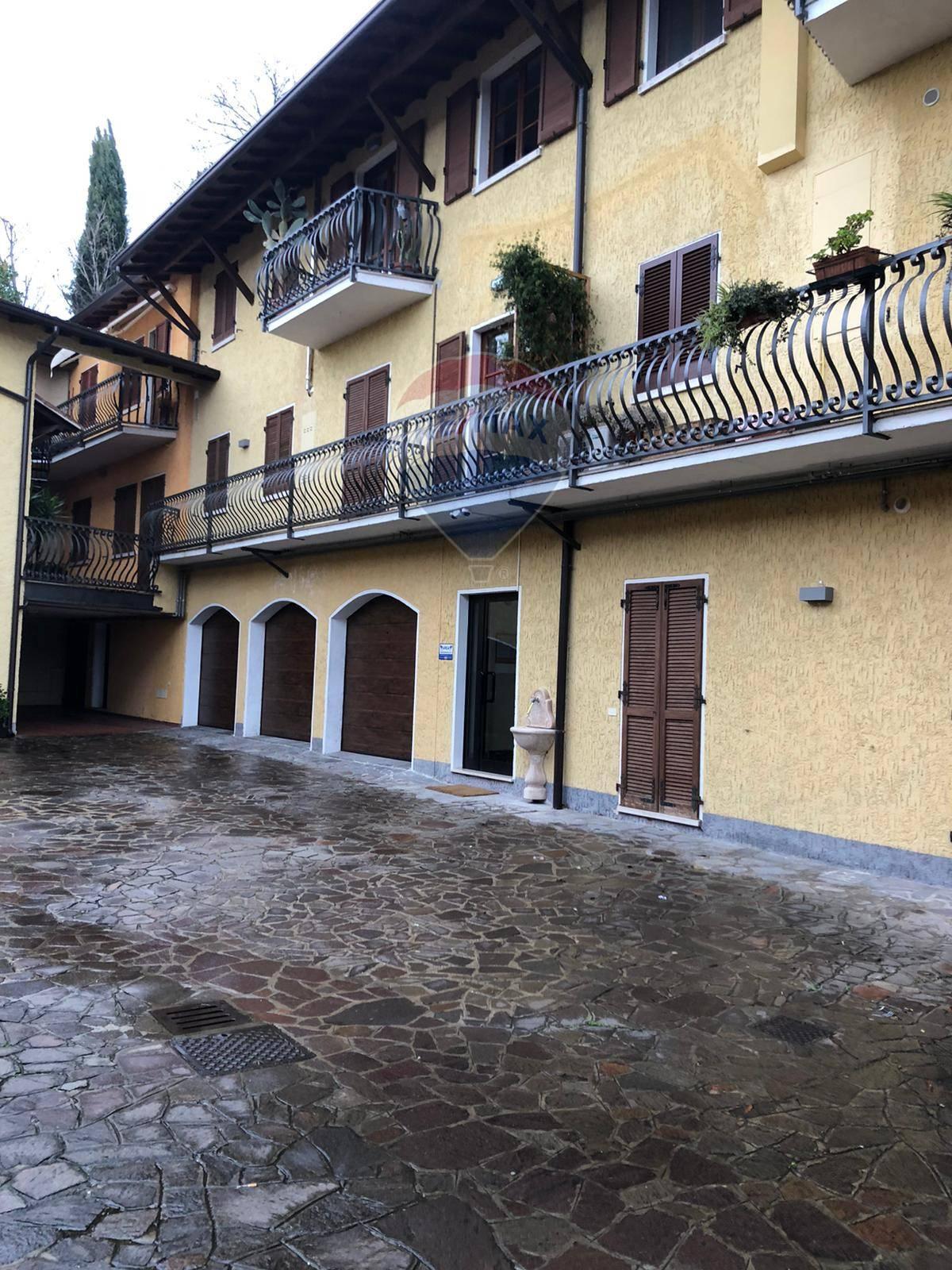 Appartamento in vendita a Manerba del Garda, 3 locali, zona inelle, prezzo € 160.000 | PortaleAgenzieImmobiliari.it