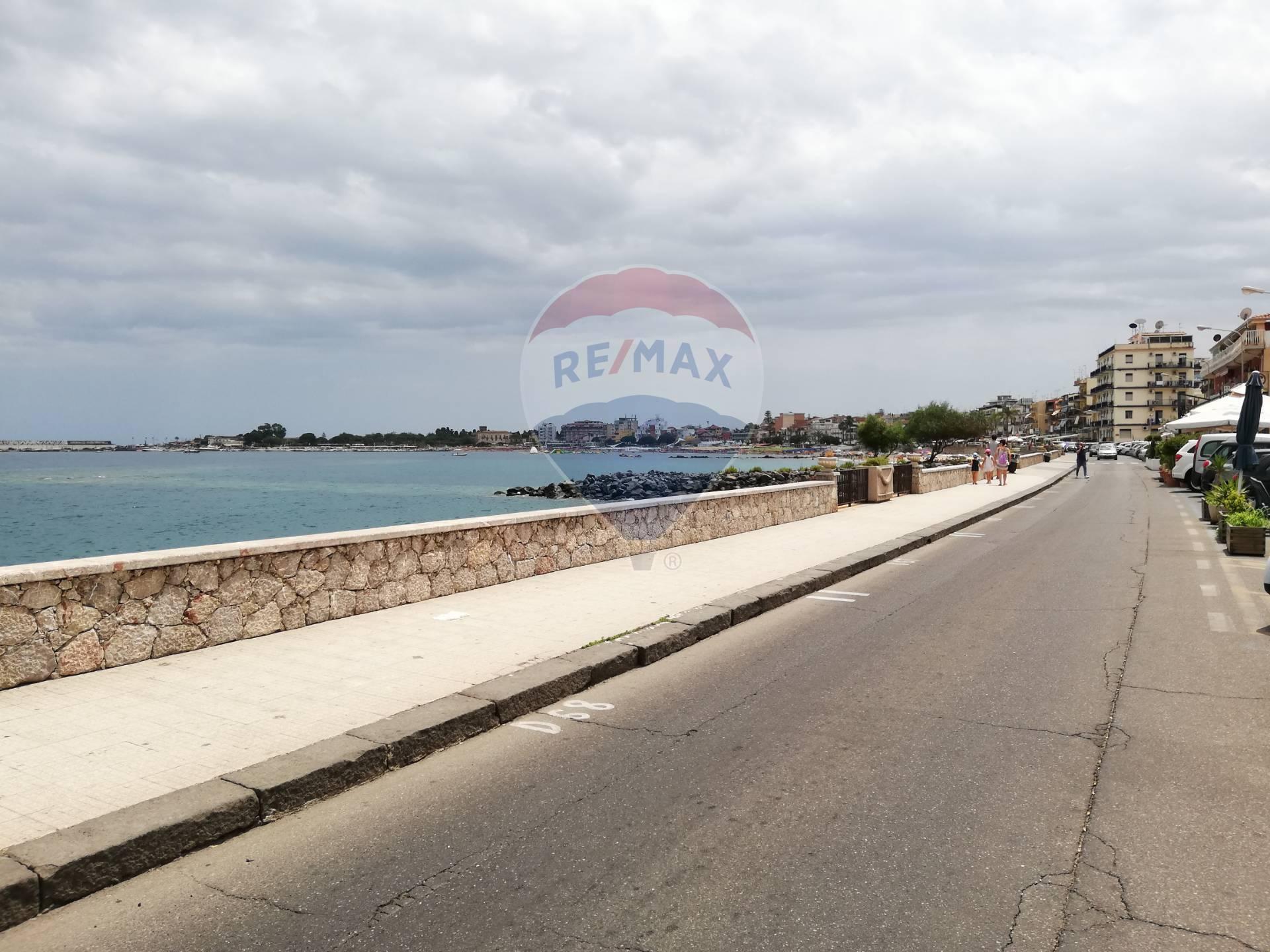 Box / Garage in vendita a Giardini-Naxos, 1 locali, zona Zona: Giardini, prezzo € 28.000 | CambioCasa.it