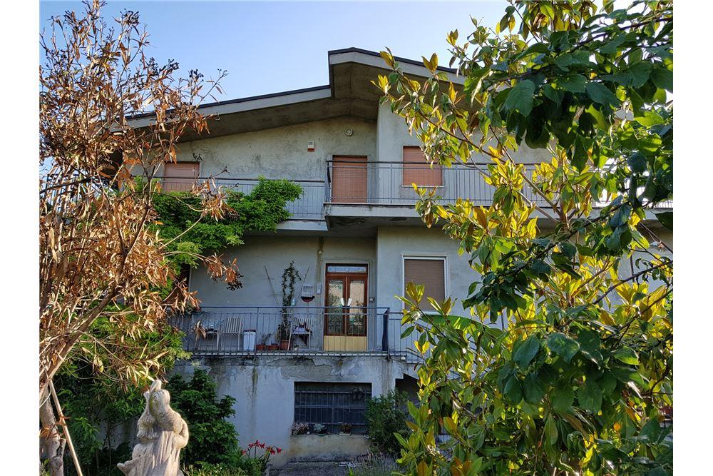 Soluzione Indipendente in vendita a Castel Frentano, 14 locali, prezzo € 170.000   CambioCasa.it