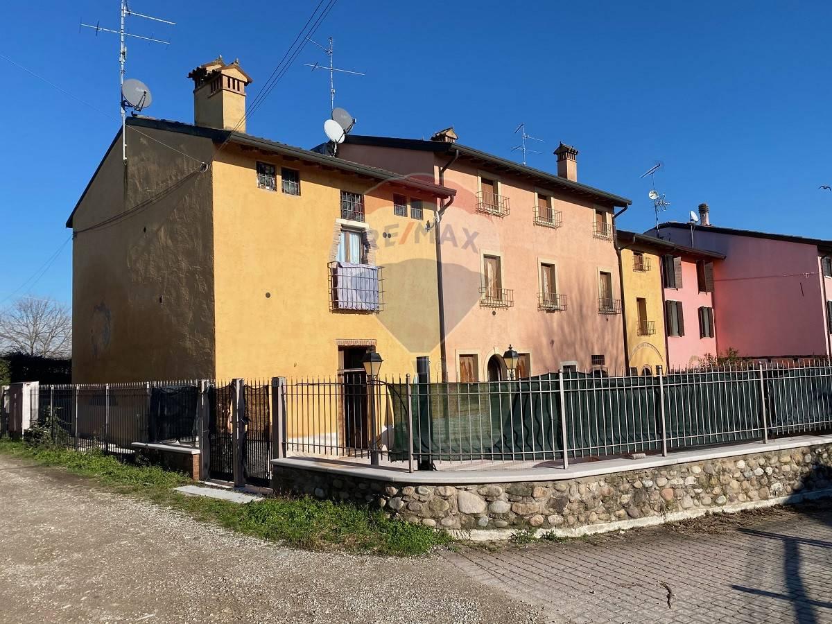 Appartamento in vendita a Valeggio sul Mincio, 21 locali, prezzo € 800.000   CambioCasa.it