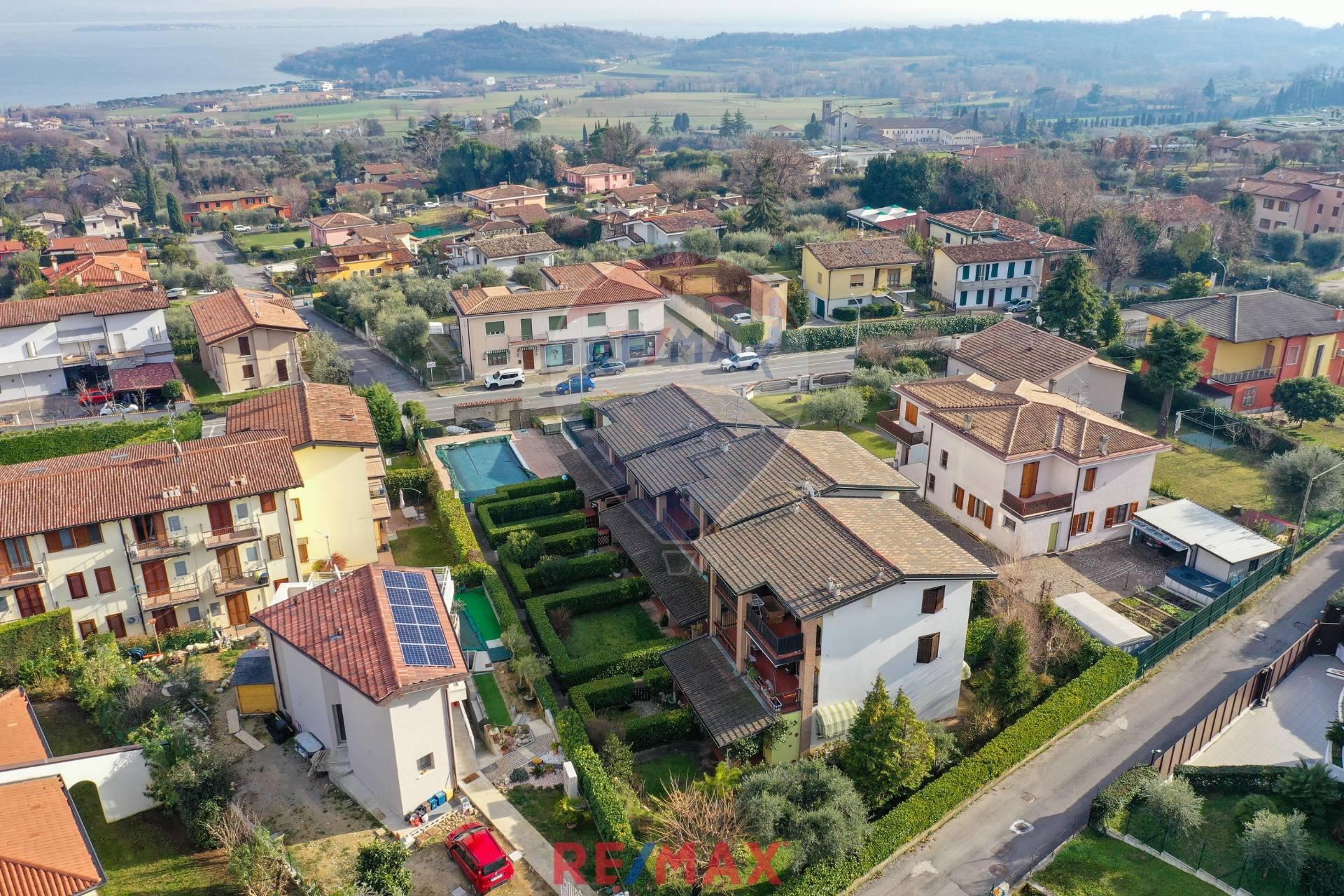 Appartamento in vendita a Lonato, 3 locali, zona Zona: Barcuzzi, prezzo € 189.000 | CambioCasa.it