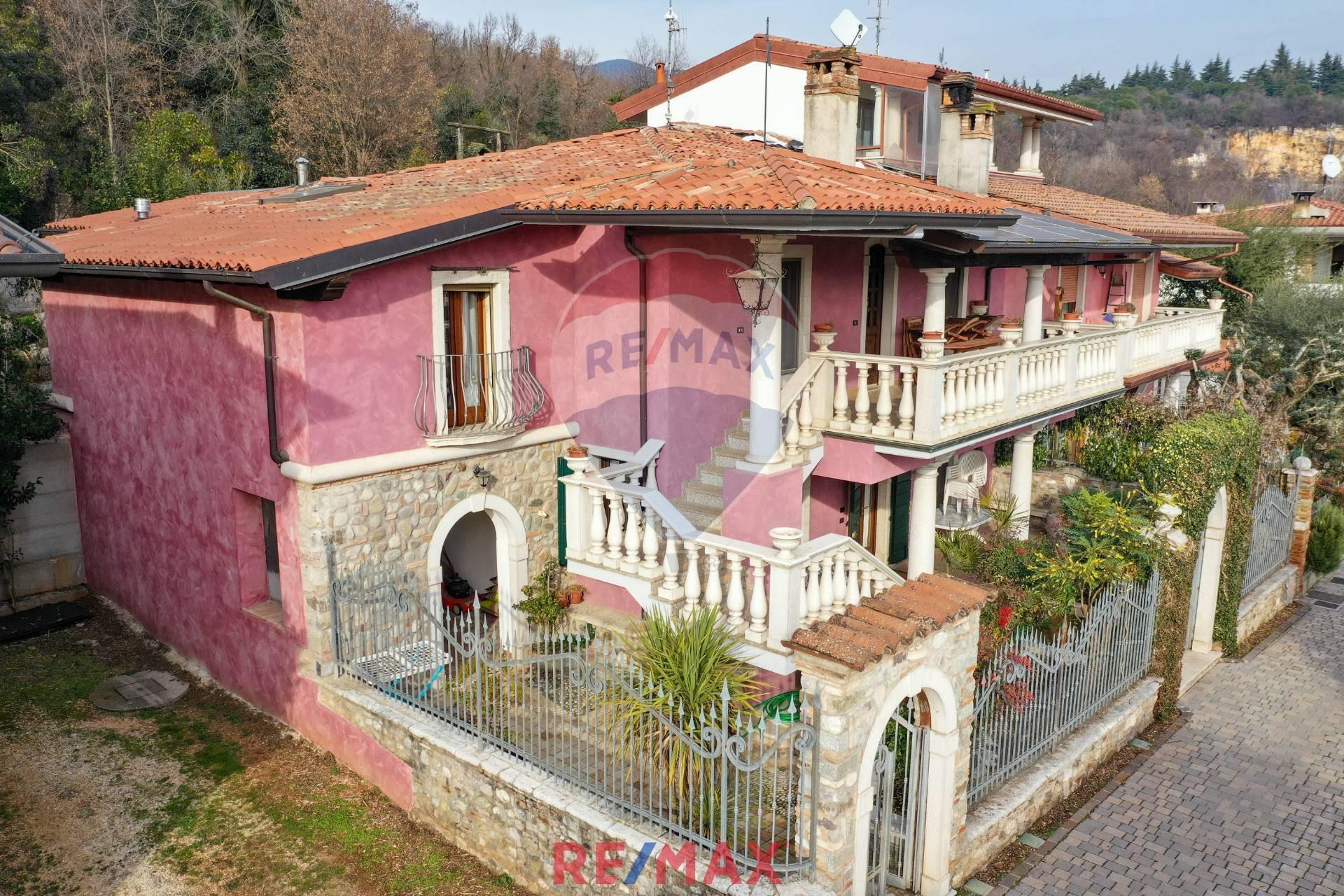 Villa Bifamiliare in Vendita a Gavardo