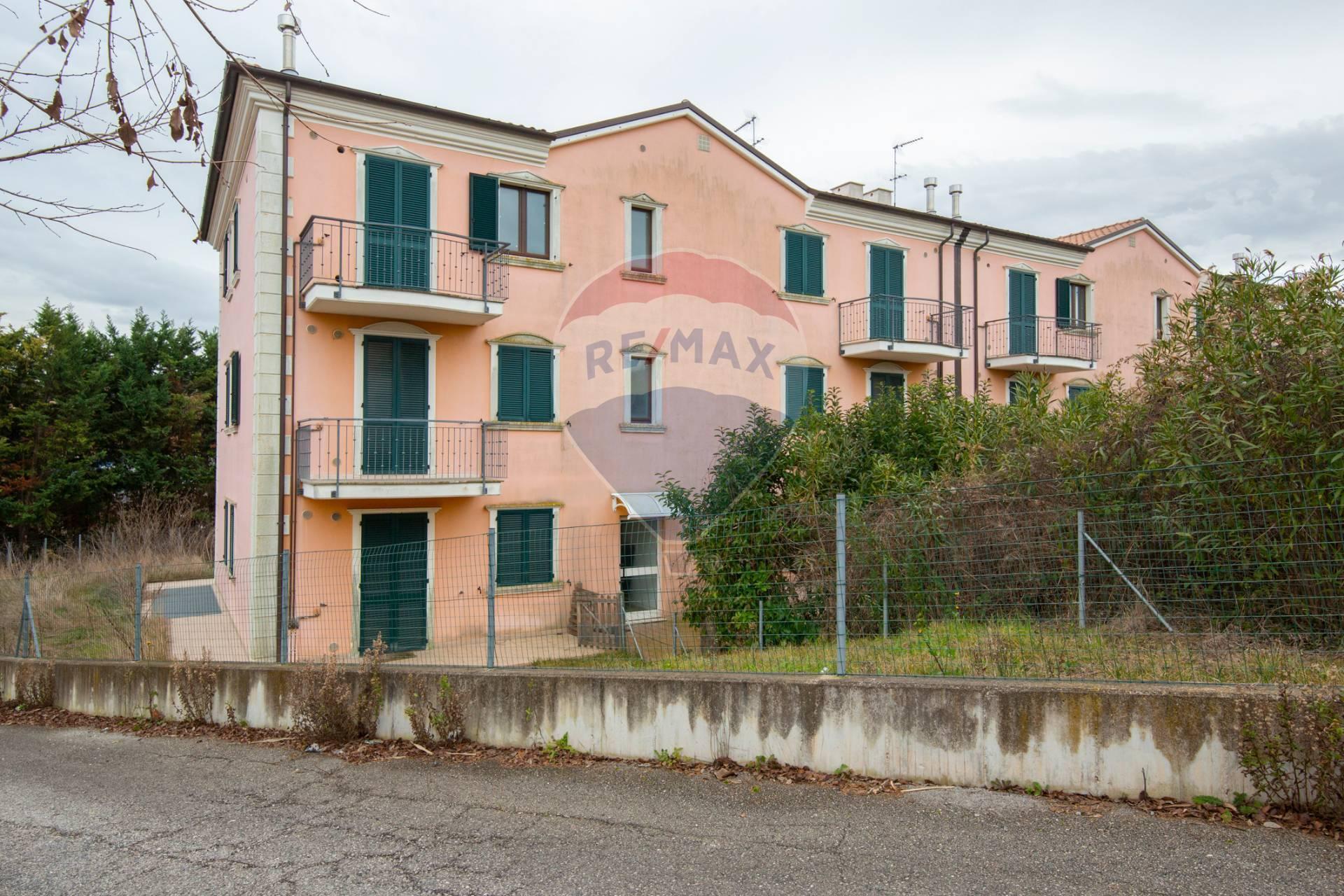 Appartamento in vendita a Loreto, 3 locali, prezzo € 68.400 | CambioCasa.it