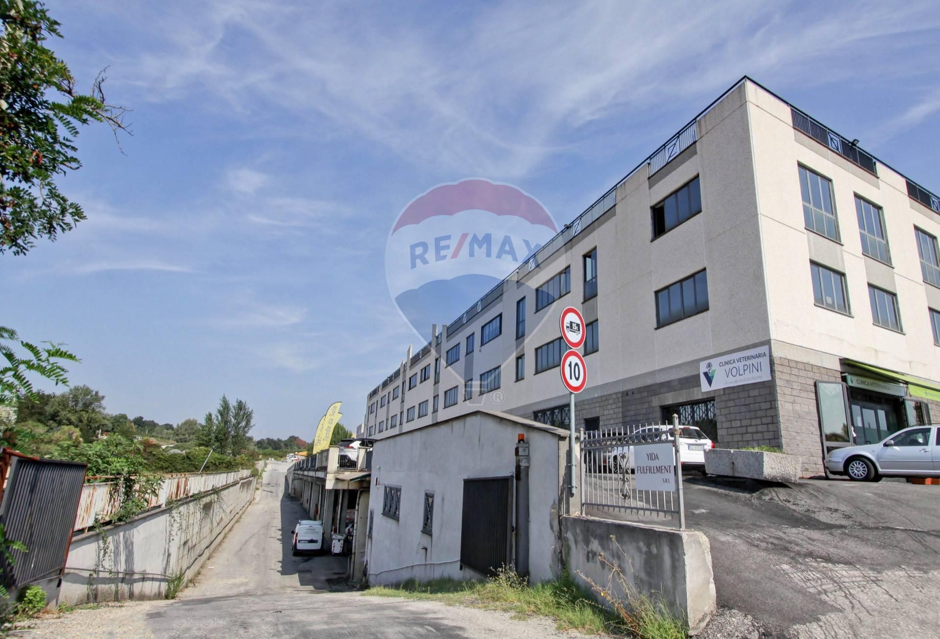 Capannone in vendita a Formello, 9999 locali, prezzo € 185.000   CambioCasa.it
