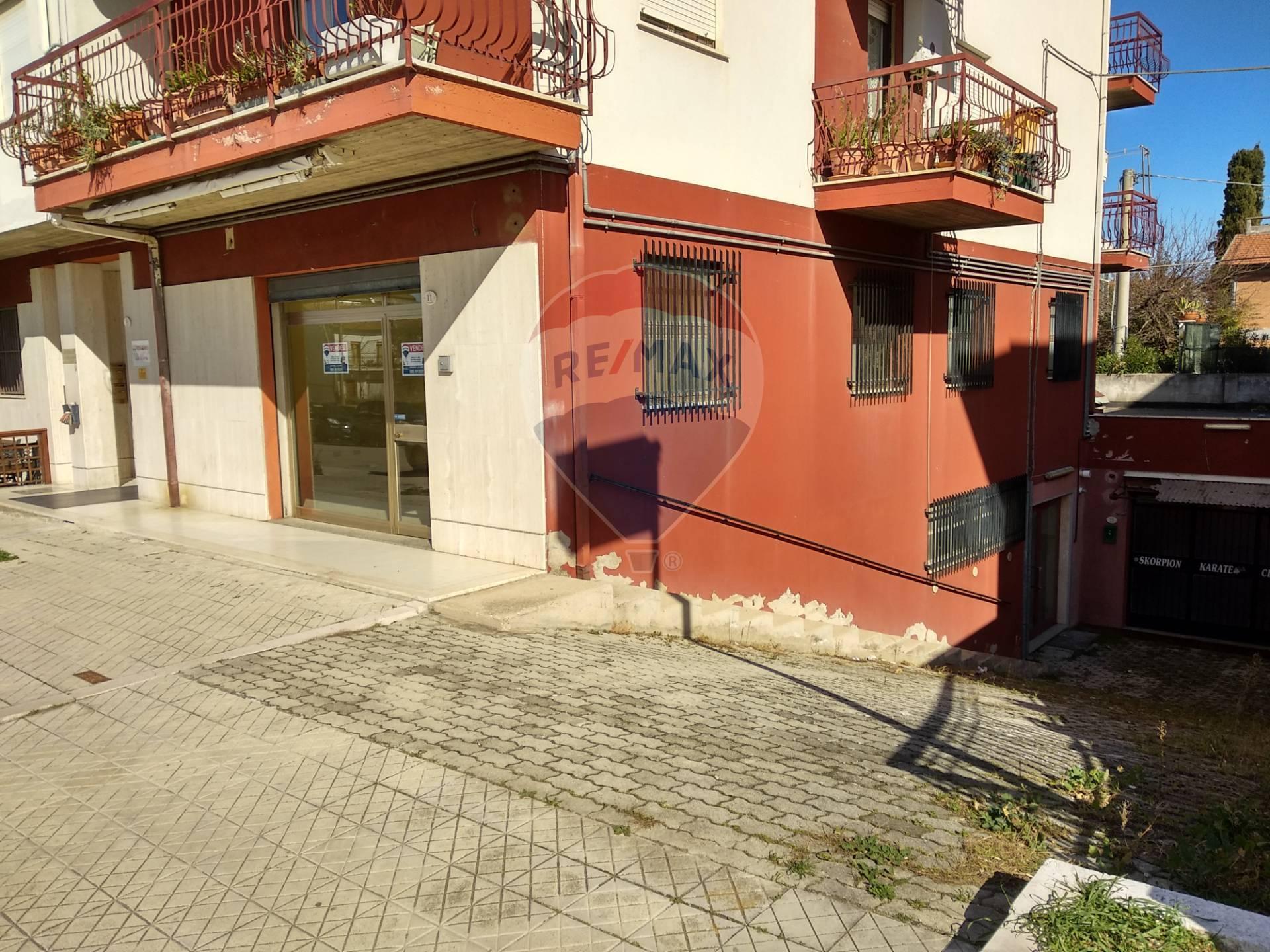 Magazzino in vendita a Fossacesia, 2 locali, prezzo € 40.000   CambioCasa.it