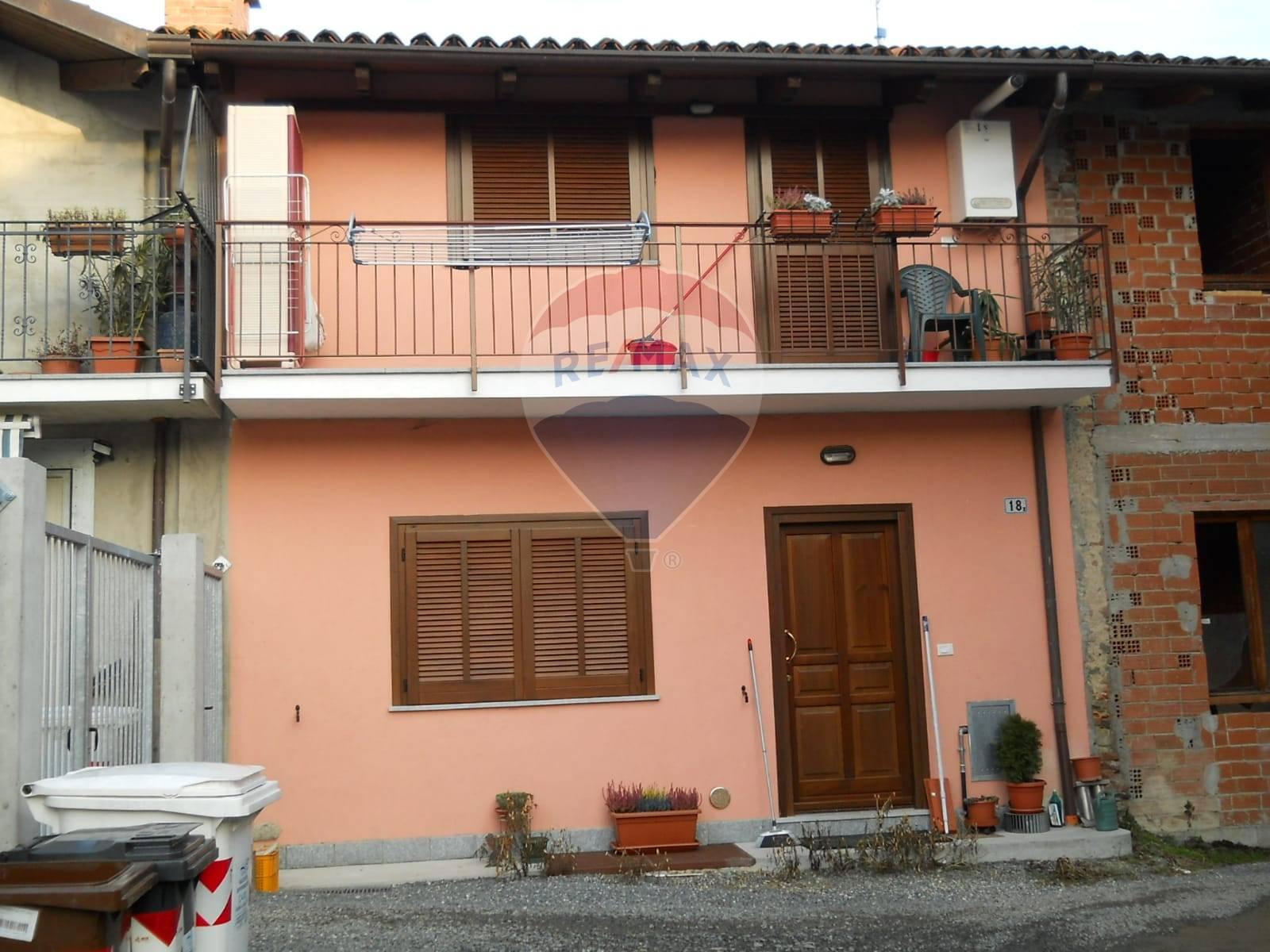 Soluzione Semindipendente in affitto a Trana, 2 locali, prezzo € 350   CambioCasa.it