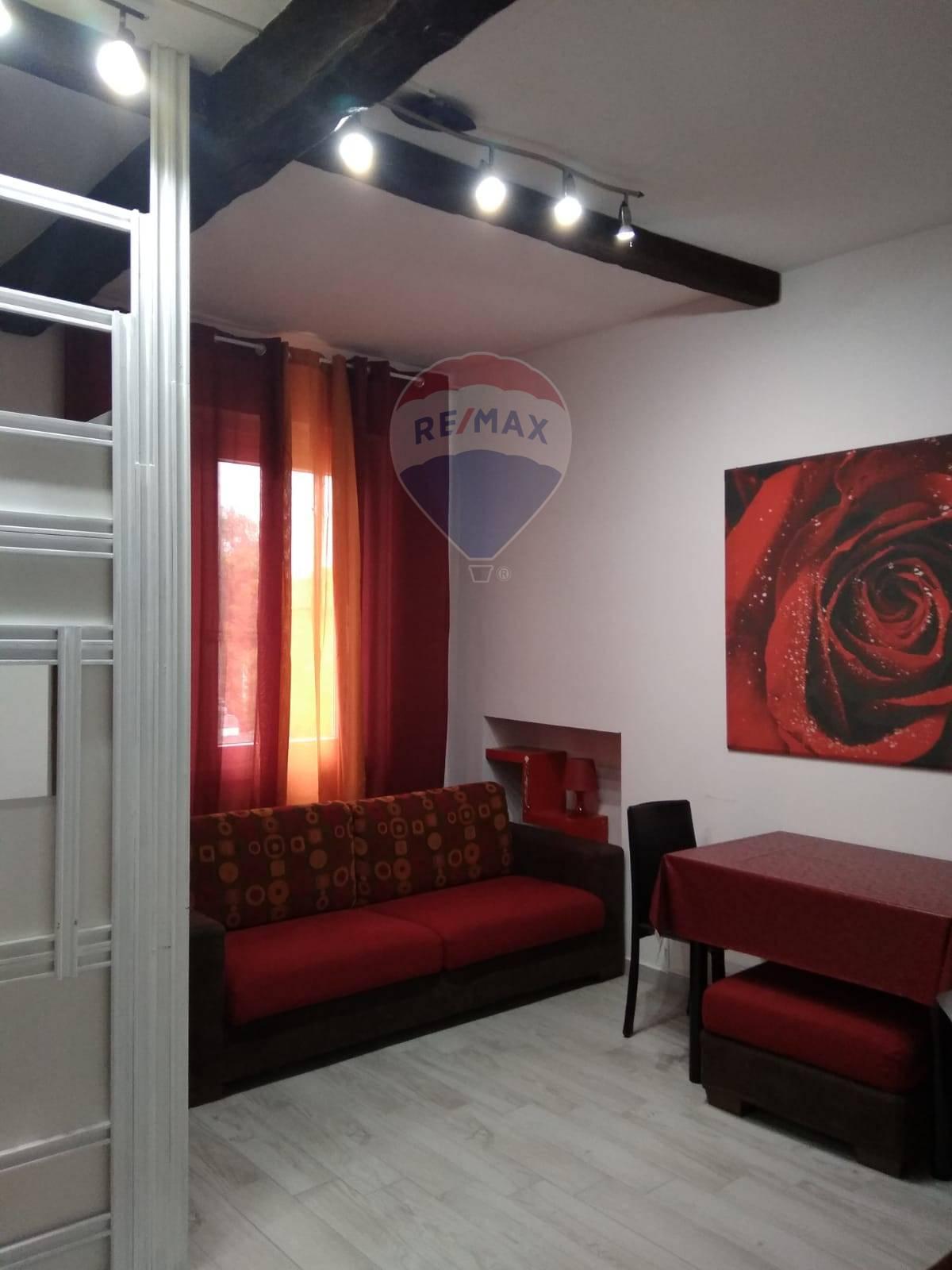 Appartamento in vendita a Magenta, 1 locali, zona Zona: Pontevecchio, prezzo € 56.000   CambioCasa.it