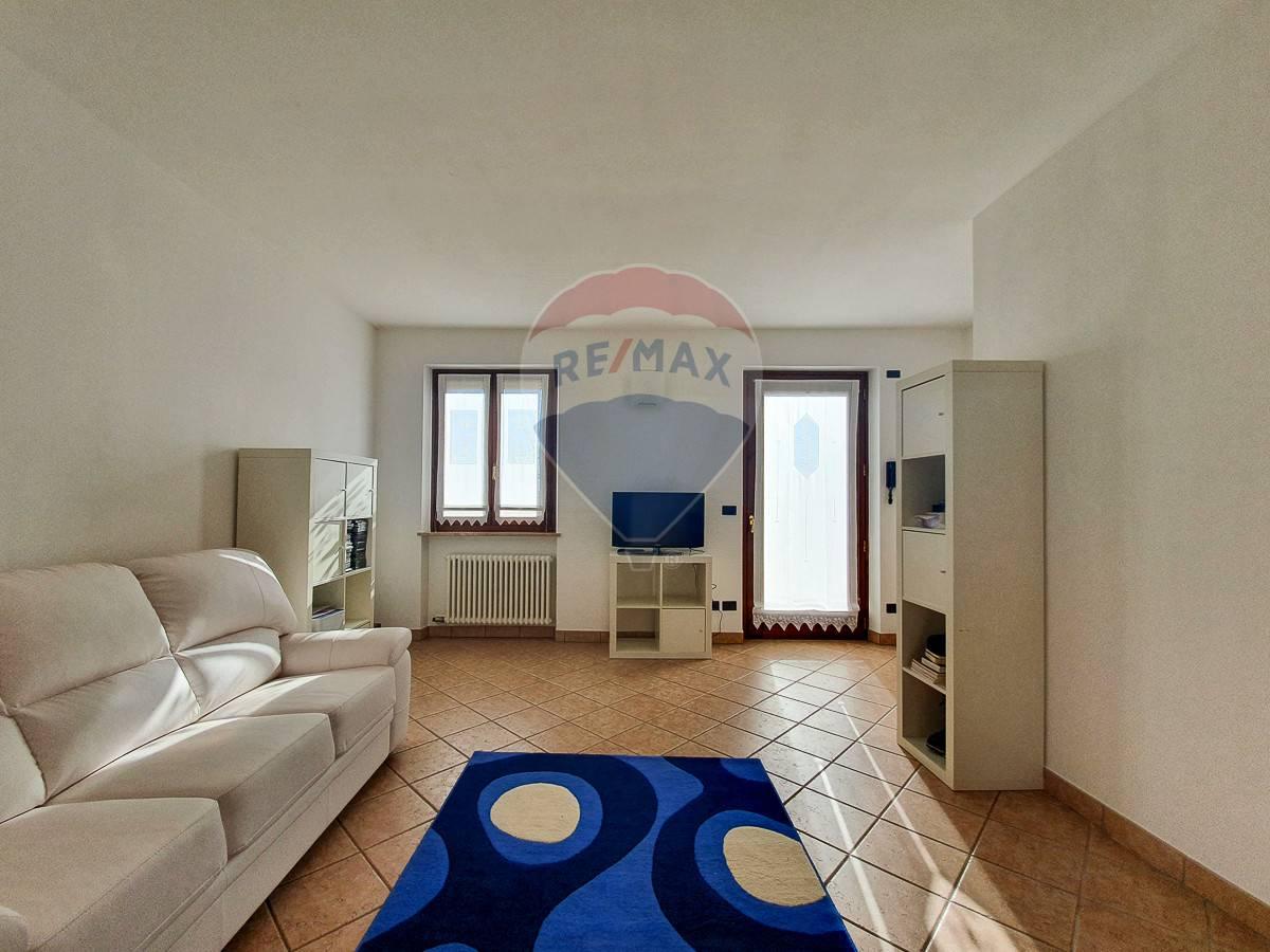 Villa a Schiera in vendita a Buttapietra, 6 locali, prezzo € 240.000 | CambioCasa.it