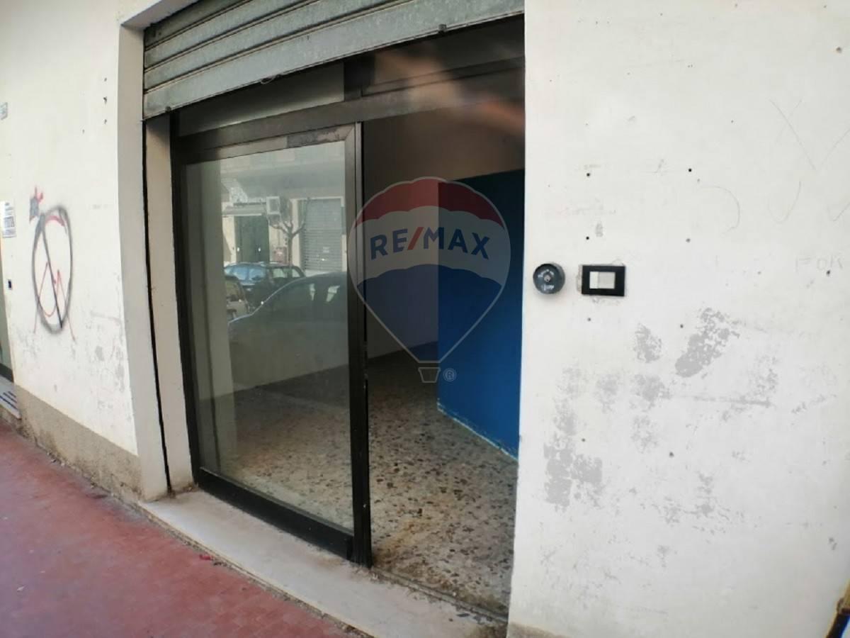 Negozio / Locale in affitto a Lanciano, 9999 locali, prezzo € 350 | CambioCasa.it