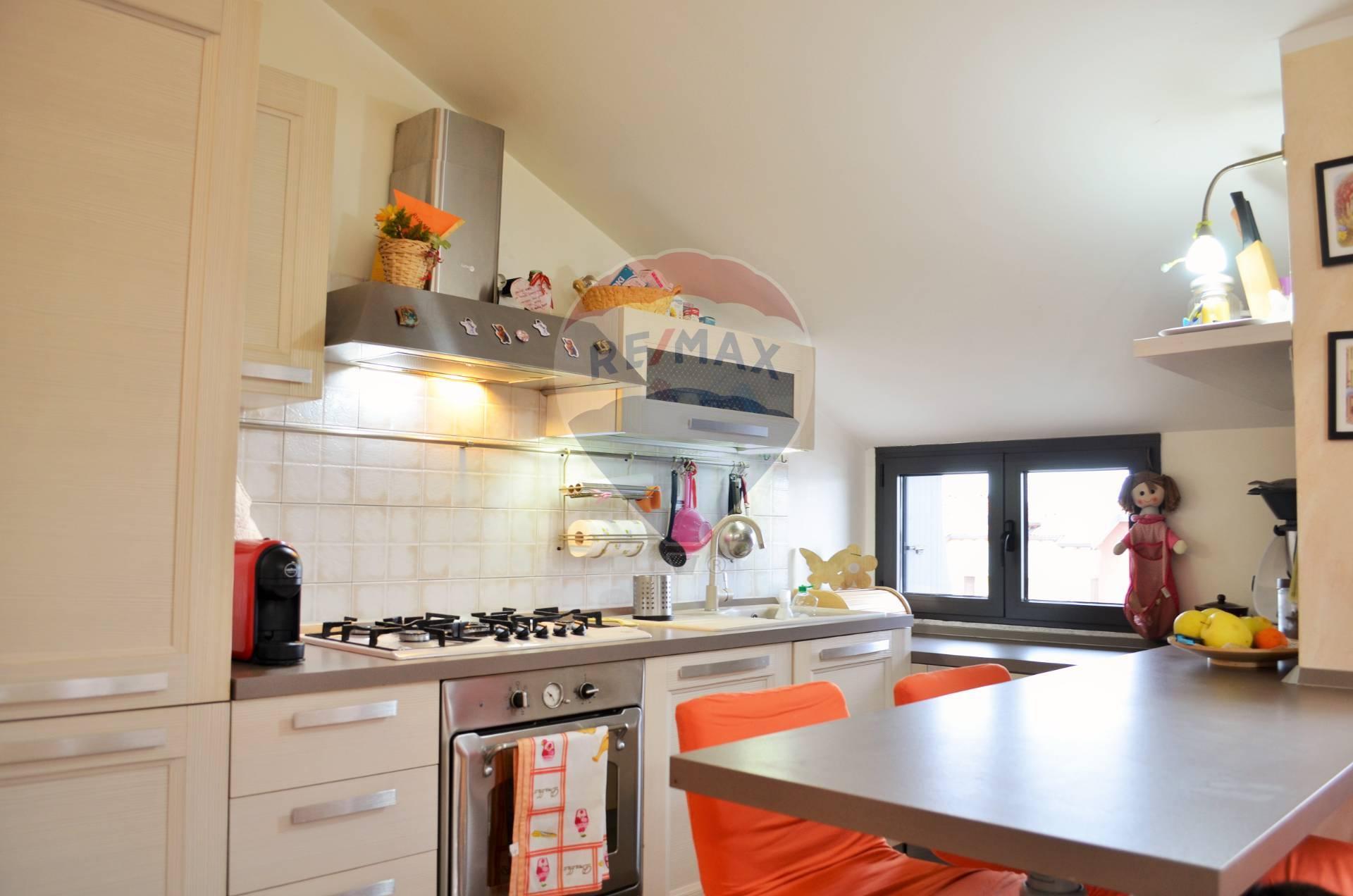 Appartamento in vendita a Desio, 3 locali, prezzo € 144.000 | CambioCasa.it