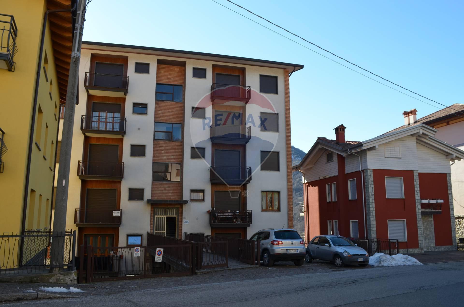 Appartamento in vendita a Esino Lario, 3 locali, prezzo € 42.000 | CambioCasa.it
