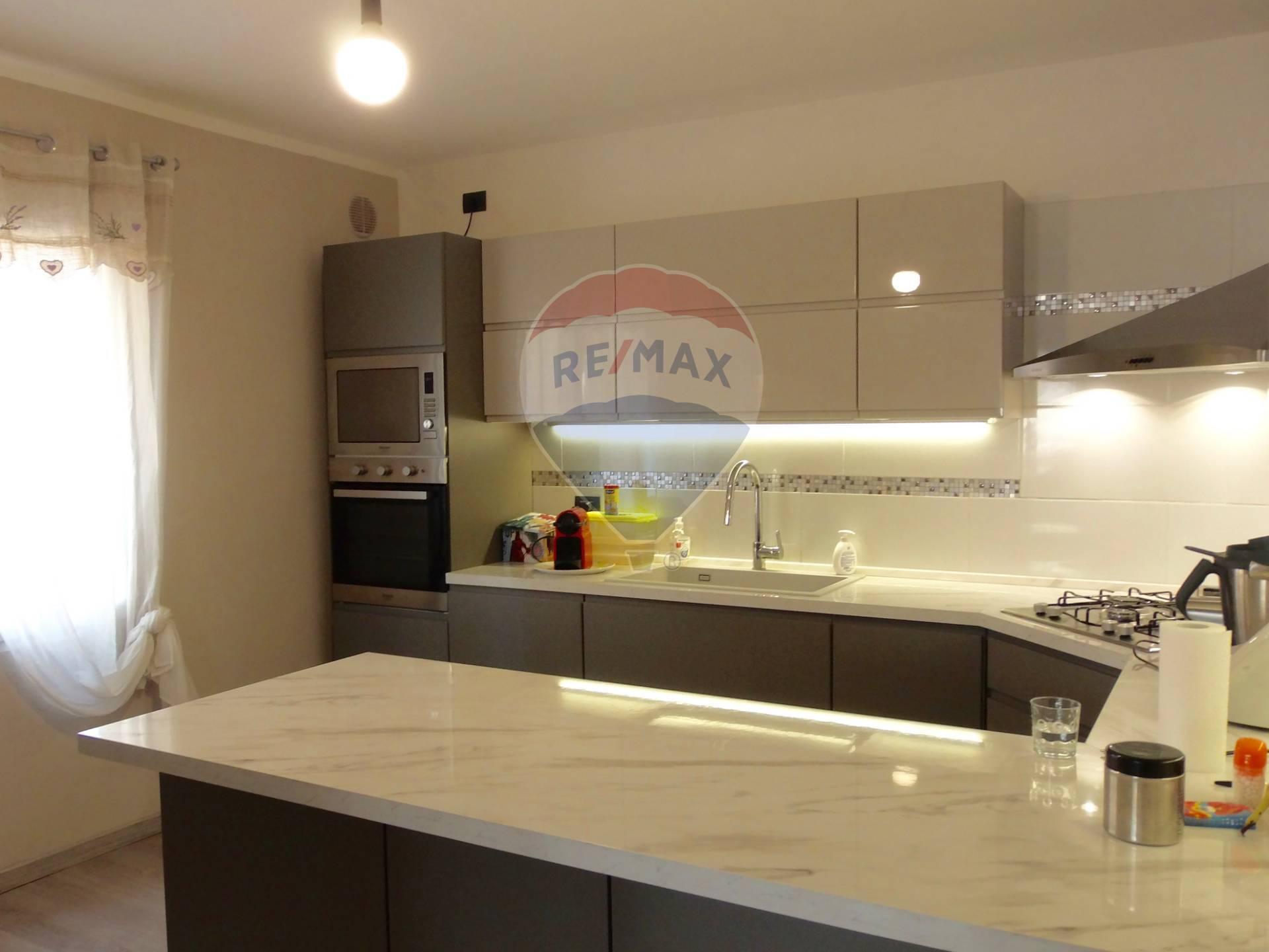 Soluzione Semindipendente in vendita a Montagnana, 8 locali, zona Località: BorgoSanMarco, prezzo € 130.000 | CambioCasa.it