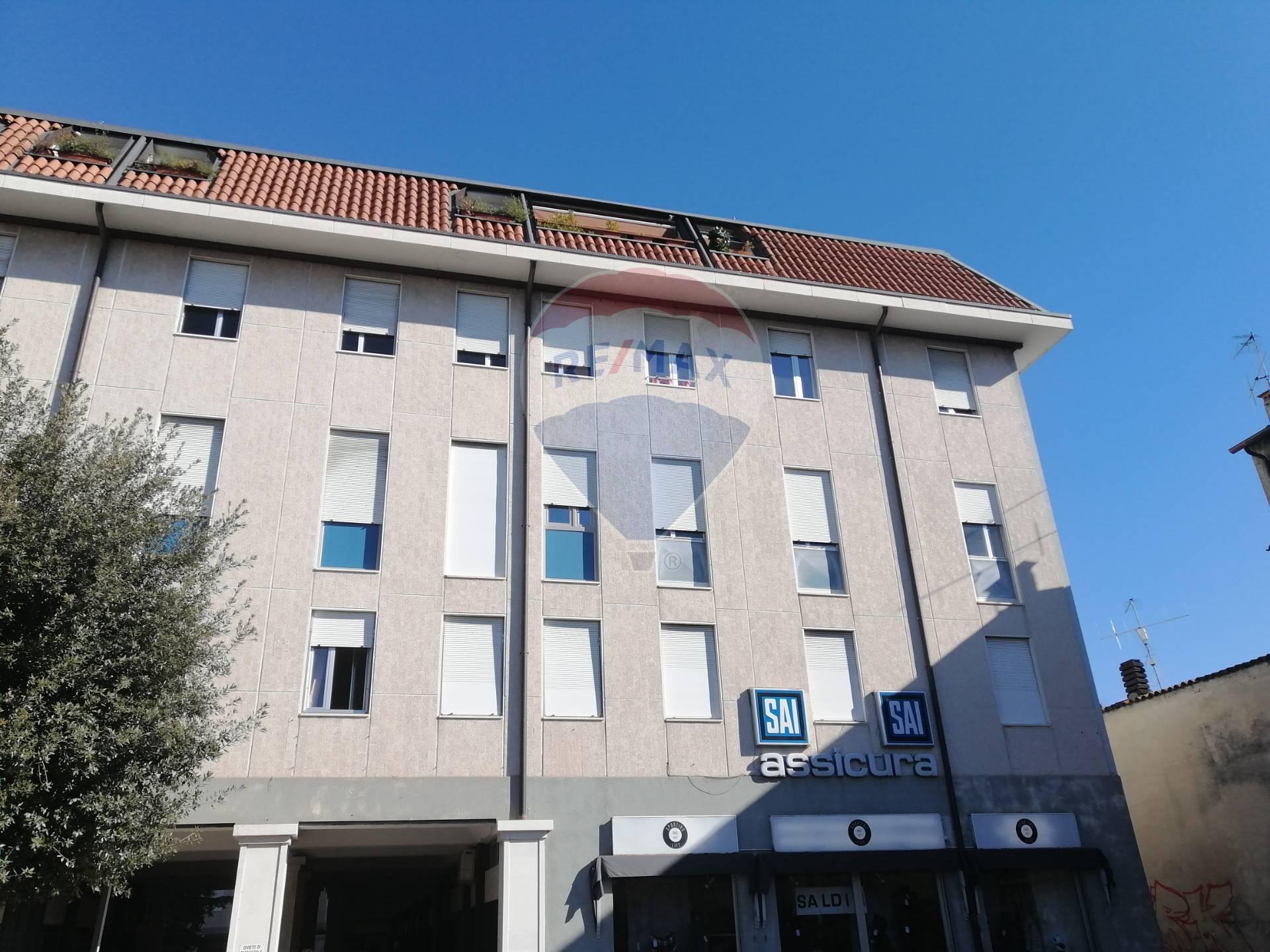 Ufficio / Studio in affitto a Salò, 9999 locali, prezzo € 1.700 | PortaleAgenzieImmobiliari.it
