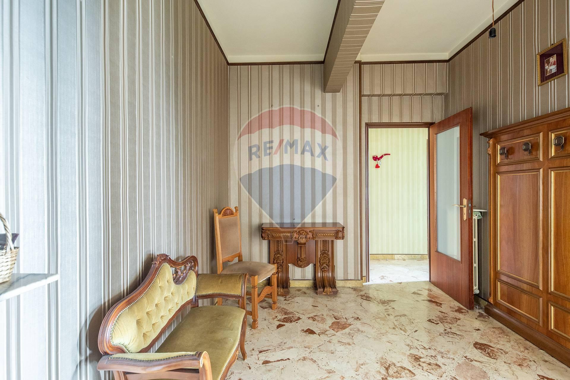 Appartamento in vendita a Enna, 7 locali, zona Località: ZonaMonte, prezzo € 210.000   CambioCasa.it
