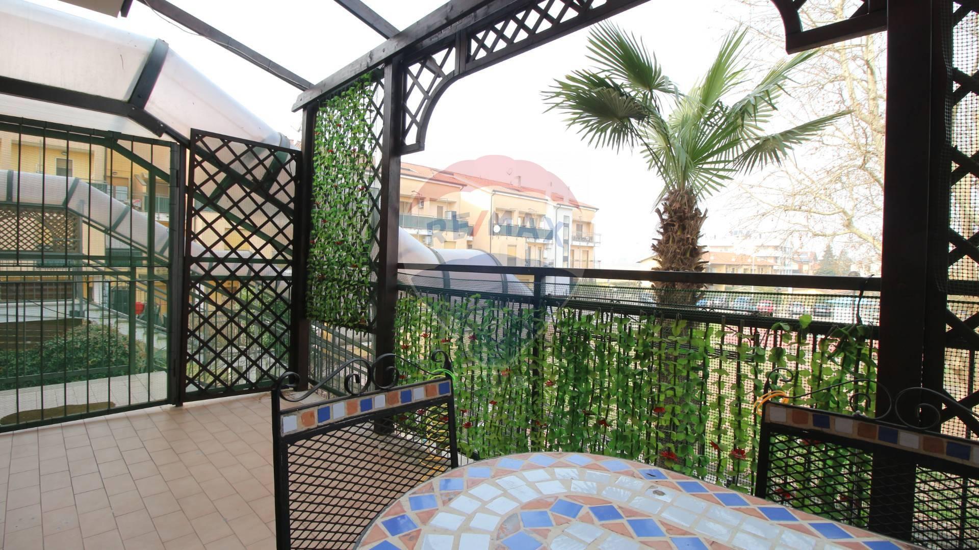 Appartamento in vendita a Mediglia, 3 locali, zona Zona: Mombretto, prezzo € 180.000   CambioCasa.it