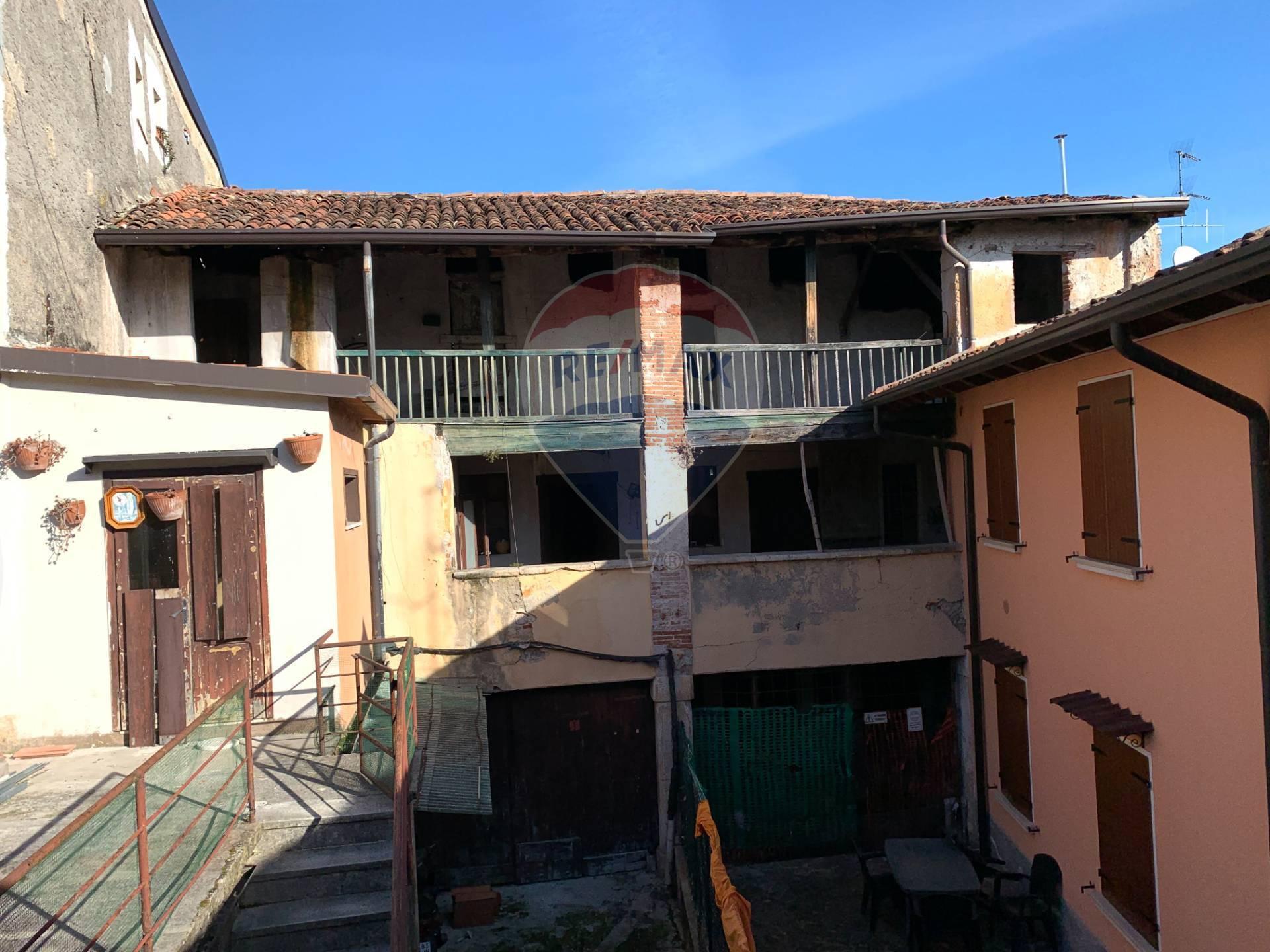 Rustico / Casale in Vendita a San Felice del Benaco