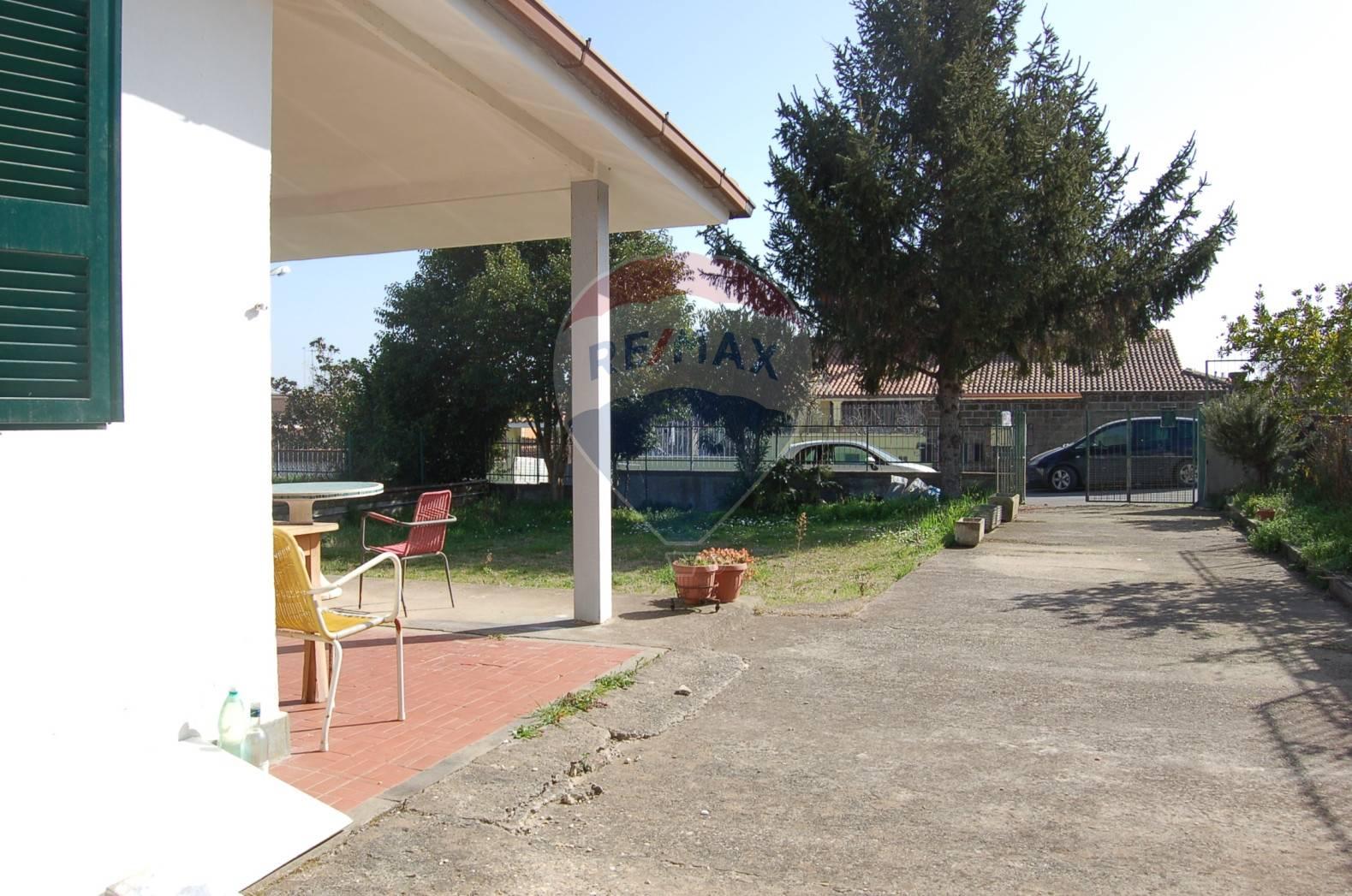Villa Bifamiliare in vendita a Fabrica di Roma, 3 locali, prezzo € 110.000 | CambioCasa.it