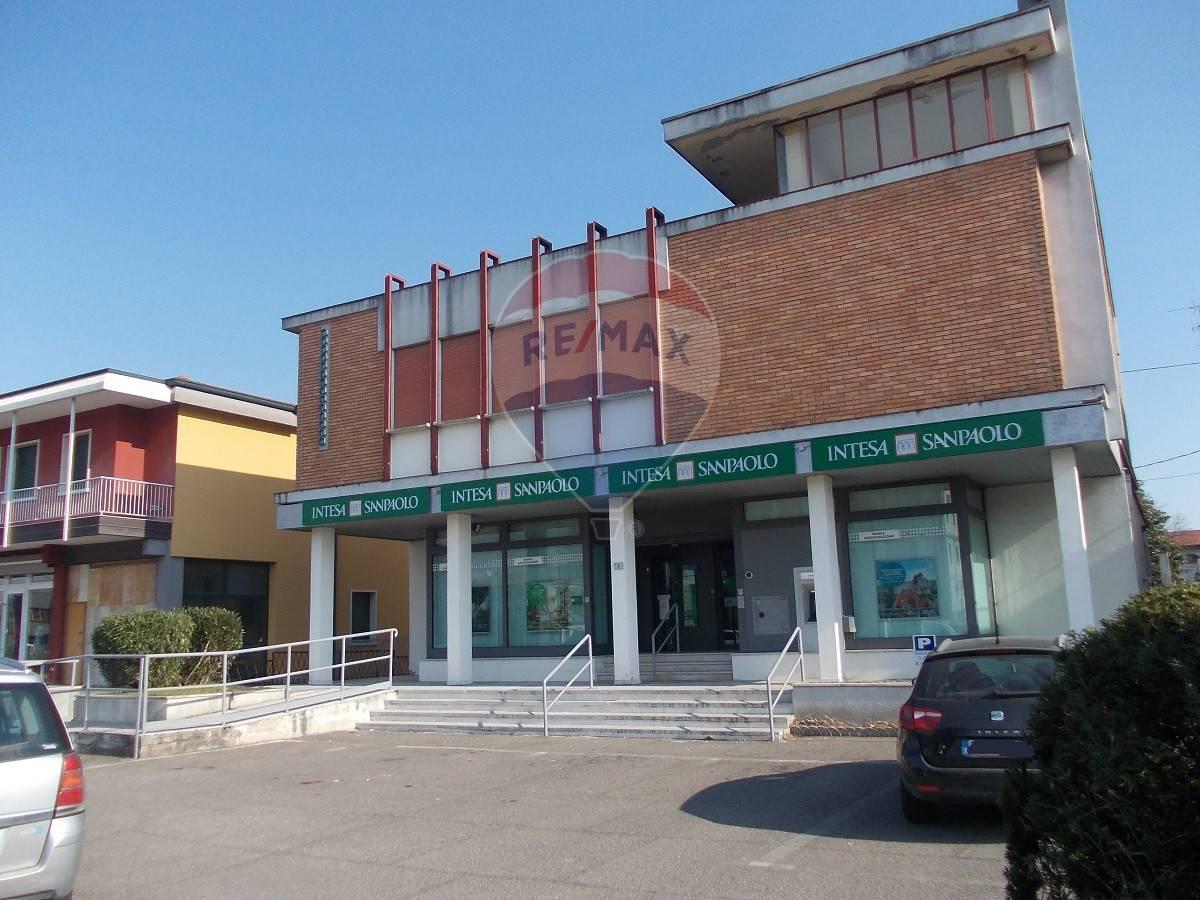 Palazzo / Stabile in vendita a Nogara, 9999 locali, prezzo € 295.000 | CambioCasa.it