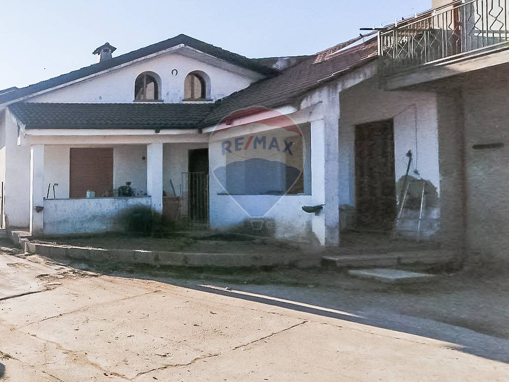 Soluzione Indipendente in vendita a Castelnovetto, 6 locali, prezzo € 65.000 | CambioCasa.it