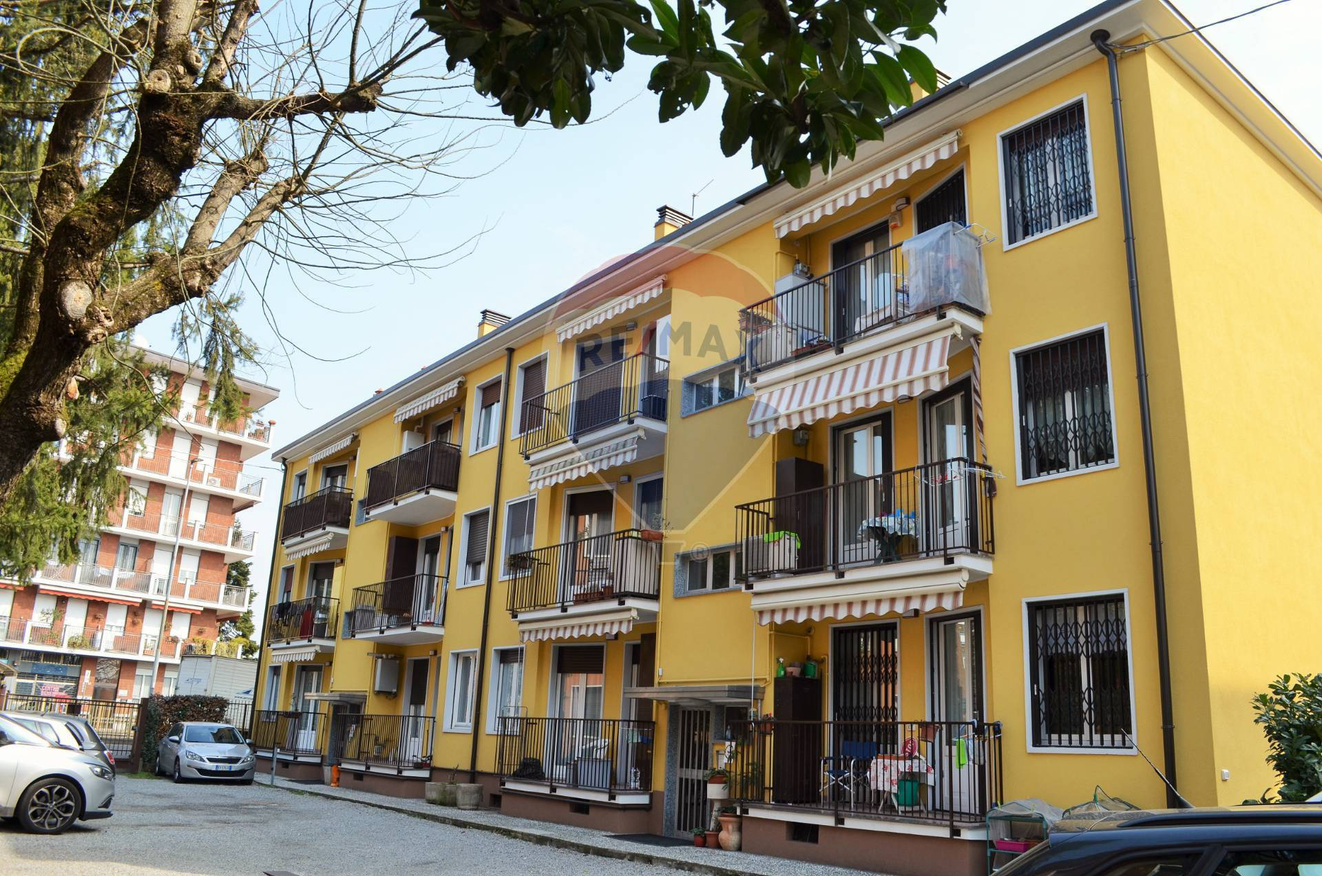 Appartamento in vendita a Villasanta, 2 locali, prezzo € 89.000   CambioCasa.it