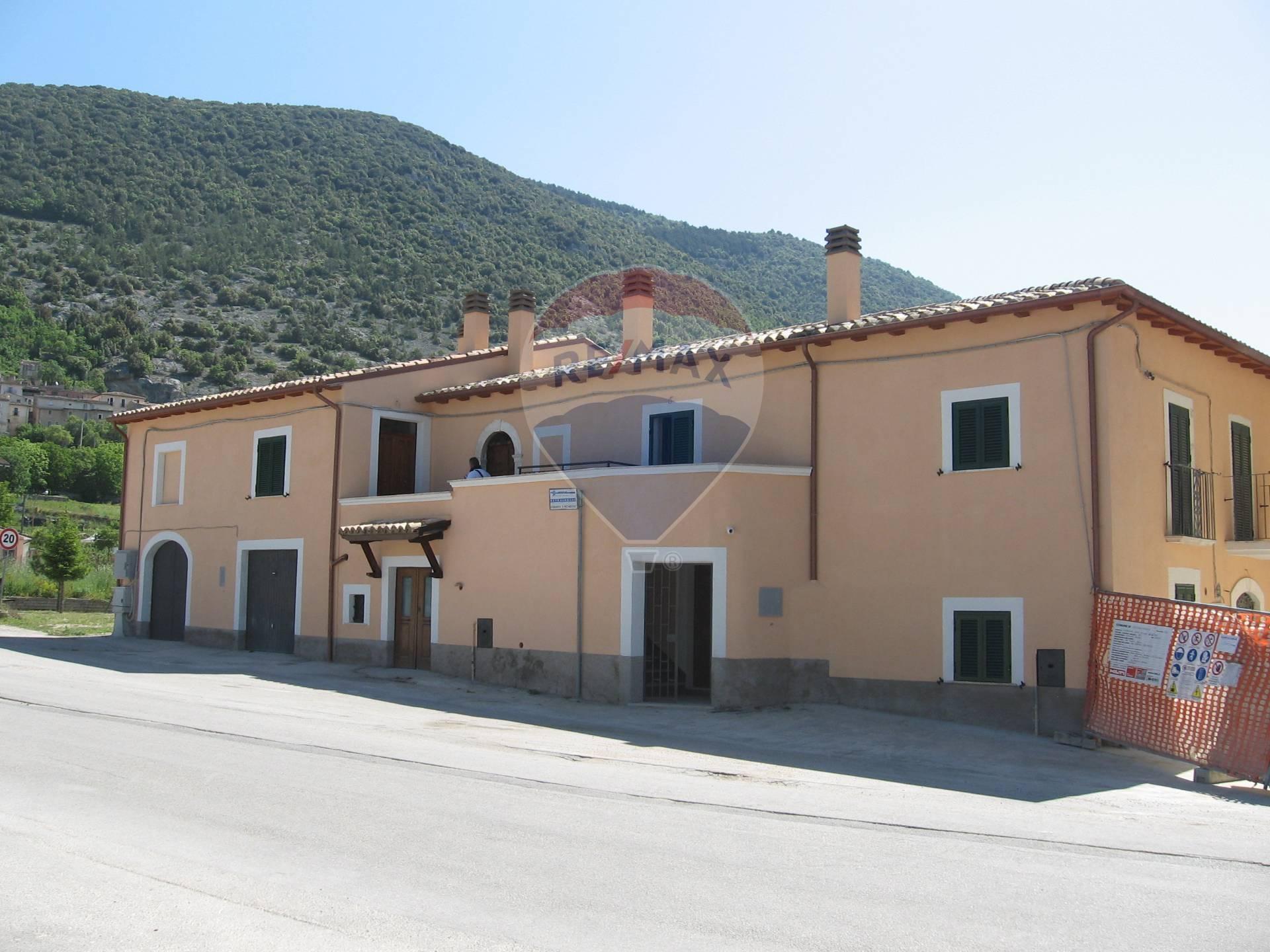Soluzione Indipendente in vendita a San Pio delle Camere, 5 locali, prezzo € 97.000   CambioCasa.it
