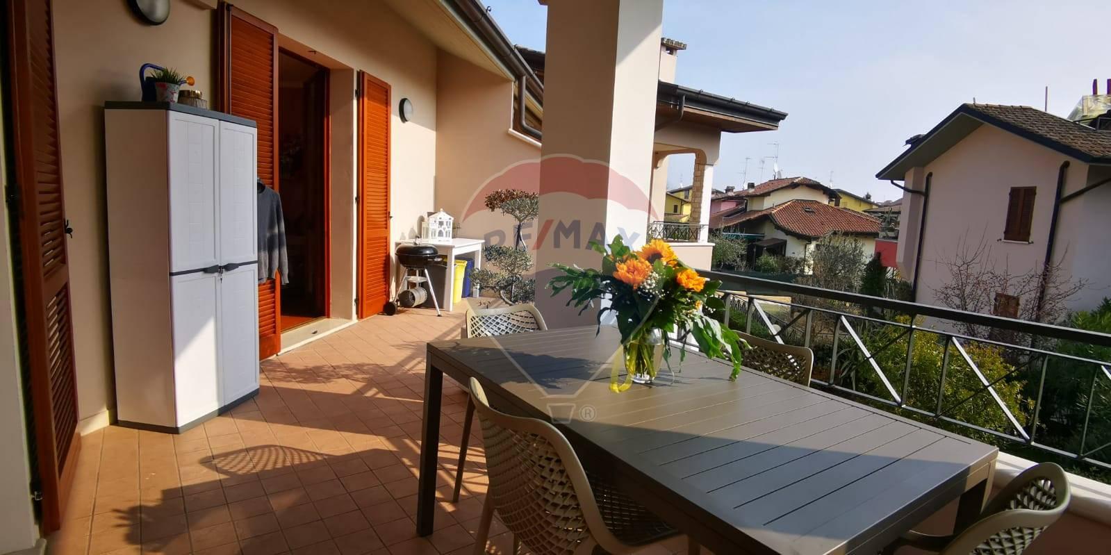 Appartamento in vendita a Moniga del Garda, 3 locali, prezzo € 240.000 | PortaleAgenzieImmobiliari.it