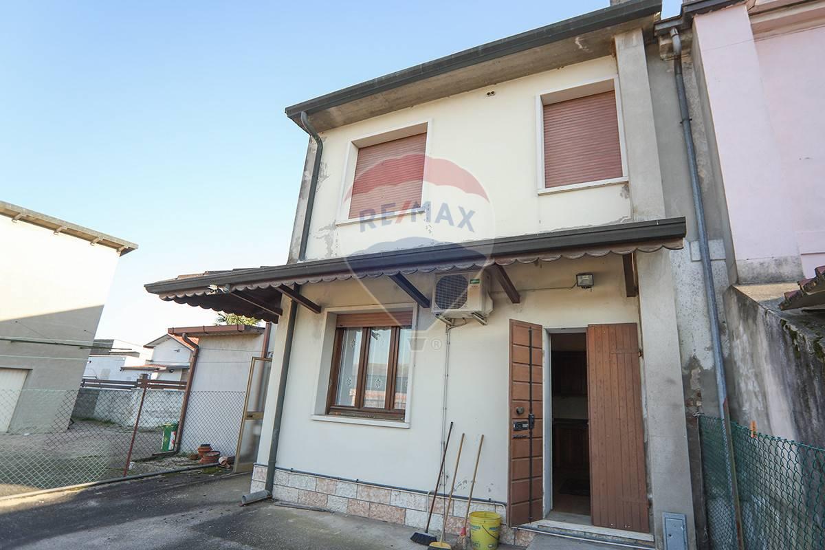 Soluzione Semindipendente in vendita a Gazzo Veronese, 6 locali, prezzo € 150.000 | CambioCasa.it